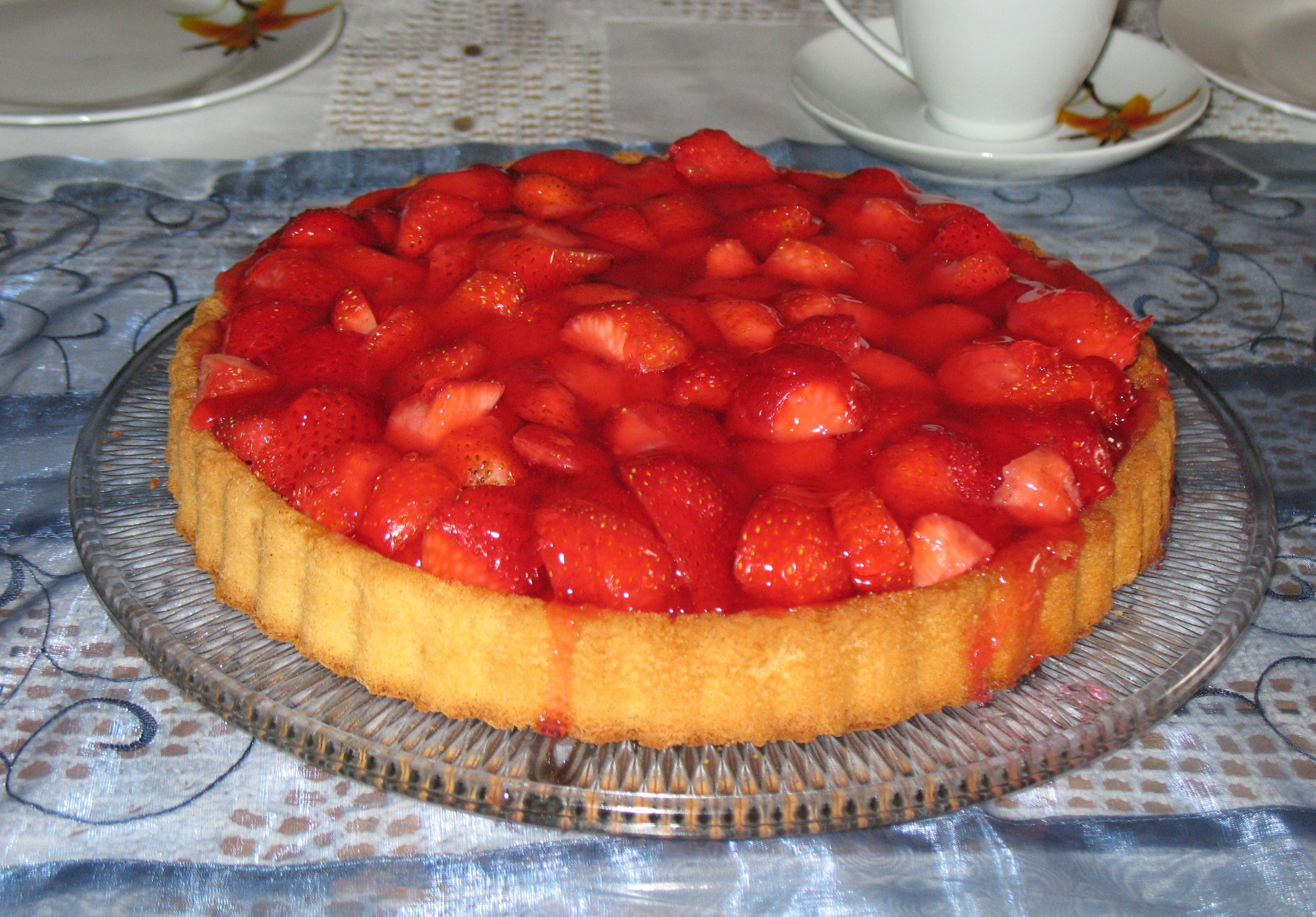 Рецепт пирога с клубникой с фото пошагово