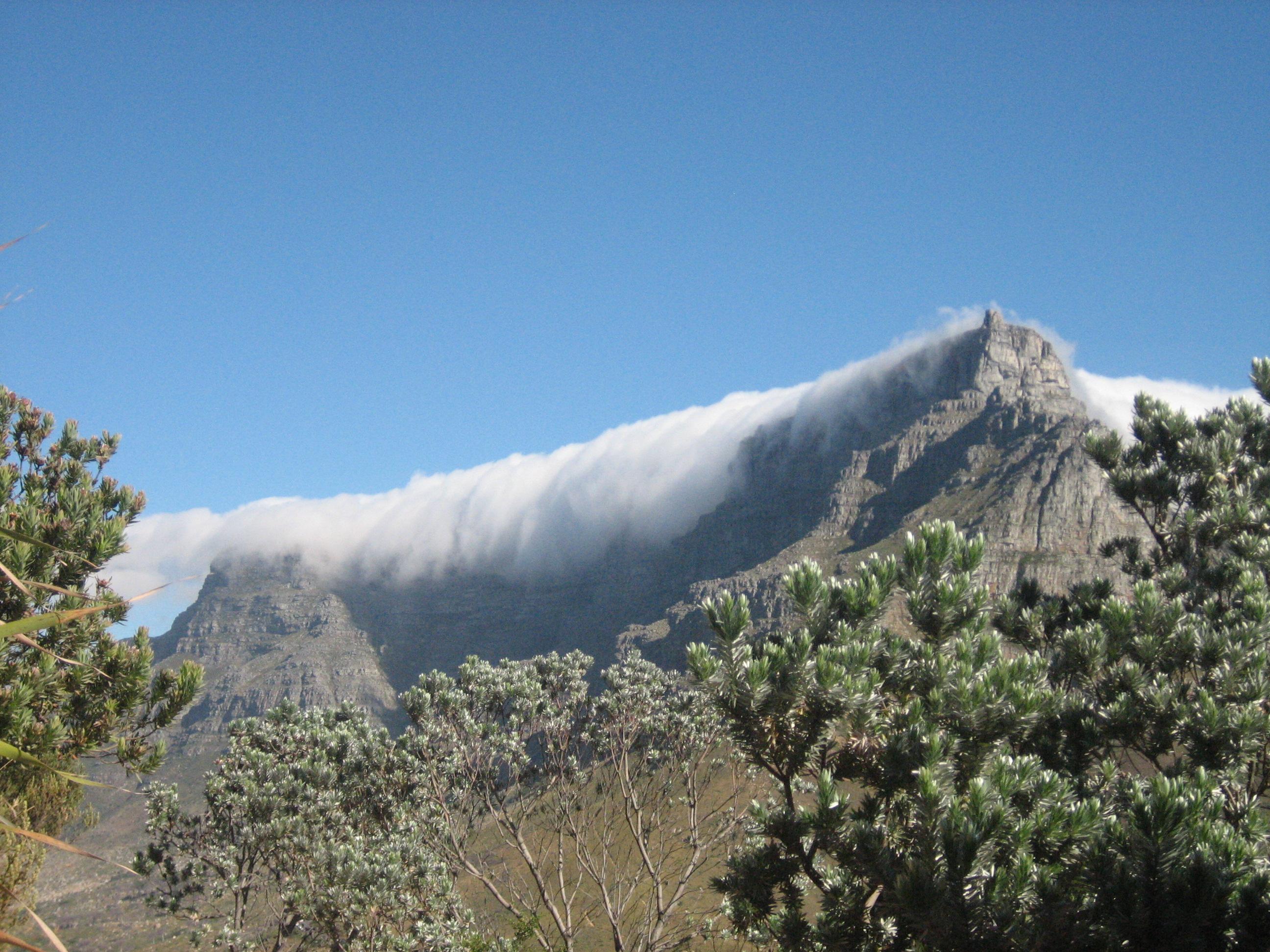 Incredible Tablecloth On Table Mountain 2592 x 1944 · 1666 kB · jpeg