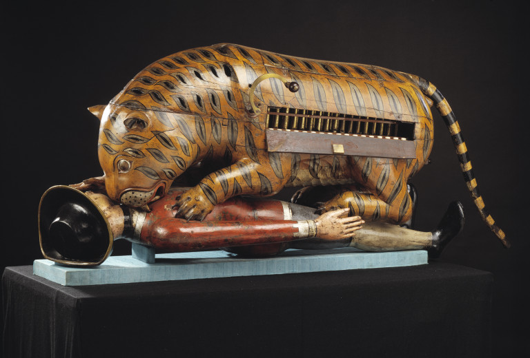 Tipu's Tiger with keyboard on display 2006AH4168