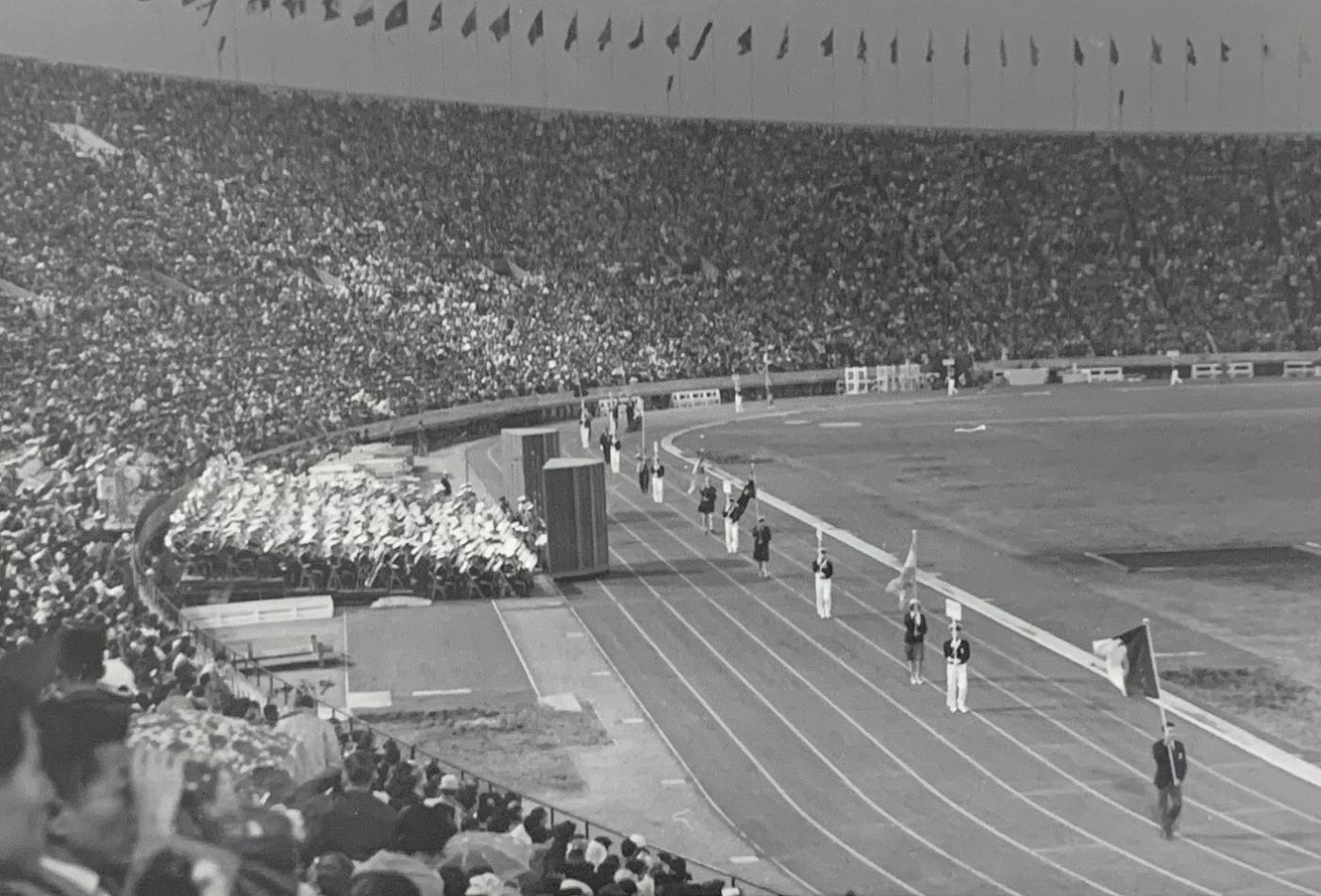 1964年東京オリンピックの閉会式 - Wikipedia