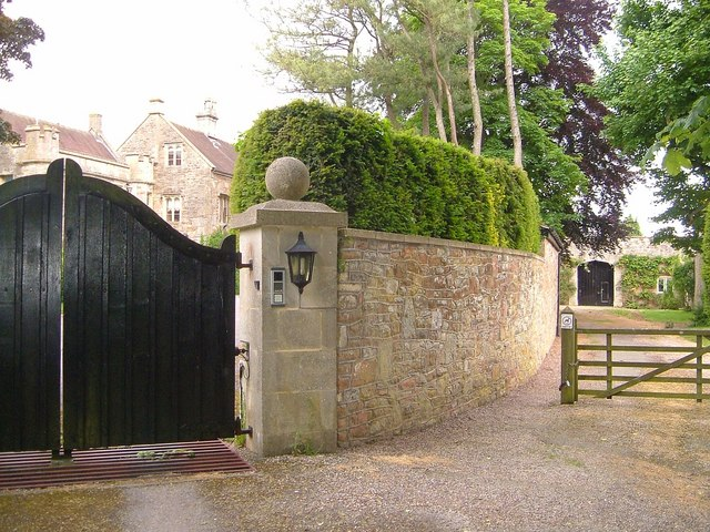 Two Rivers Way passing Chew Court - geograph.org.uk - 1607817