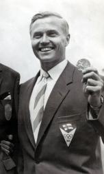 Väinö Korhonen 1956 (cropped).jpg