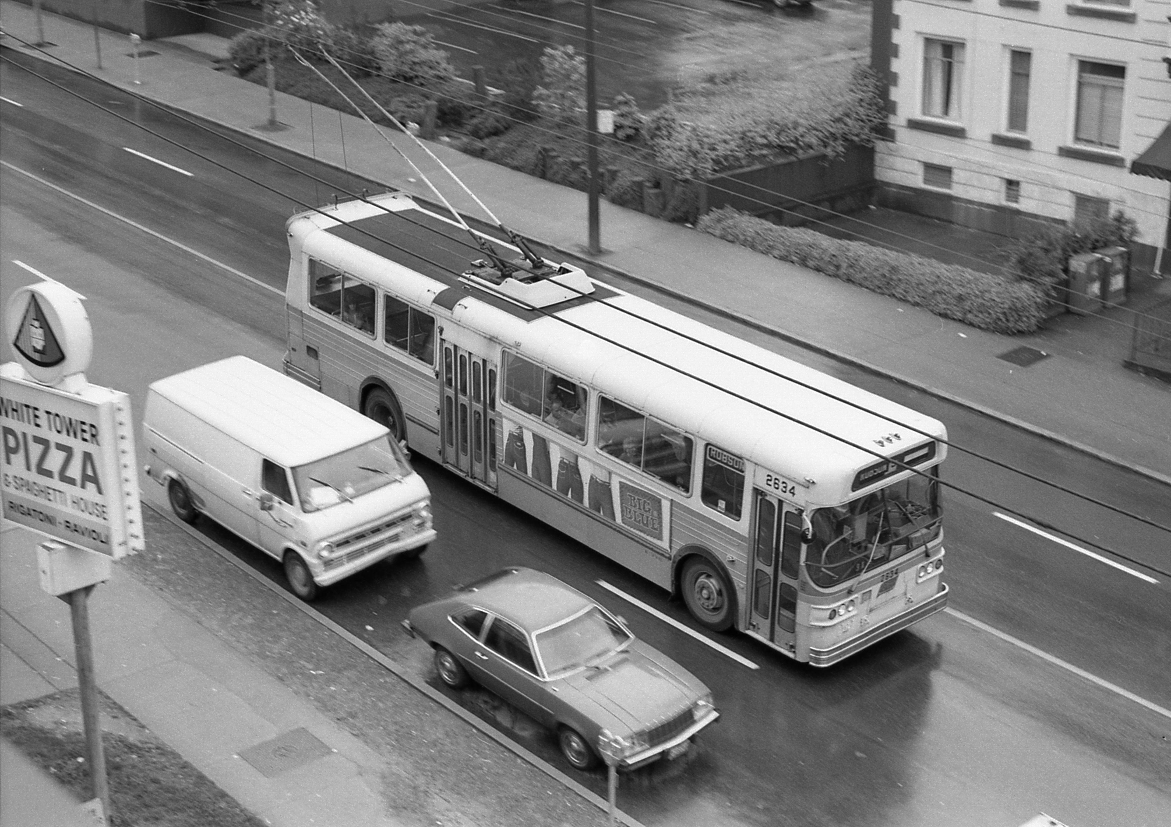 File:Vancouver trolleybus 2634 westbound on Robson Street, late 1970s.jpg