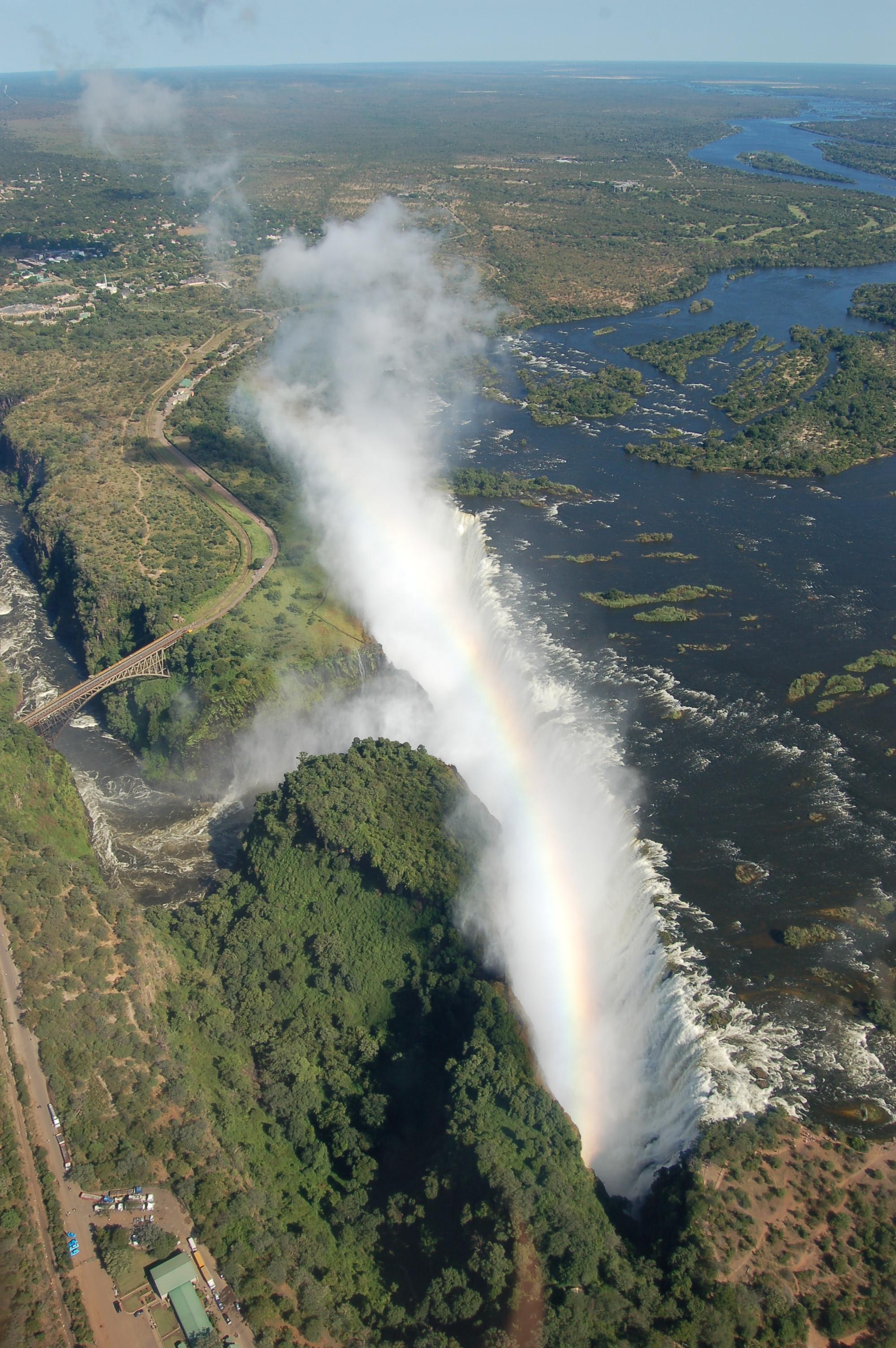 Victoria_Falls_%282541711854%29.jpg