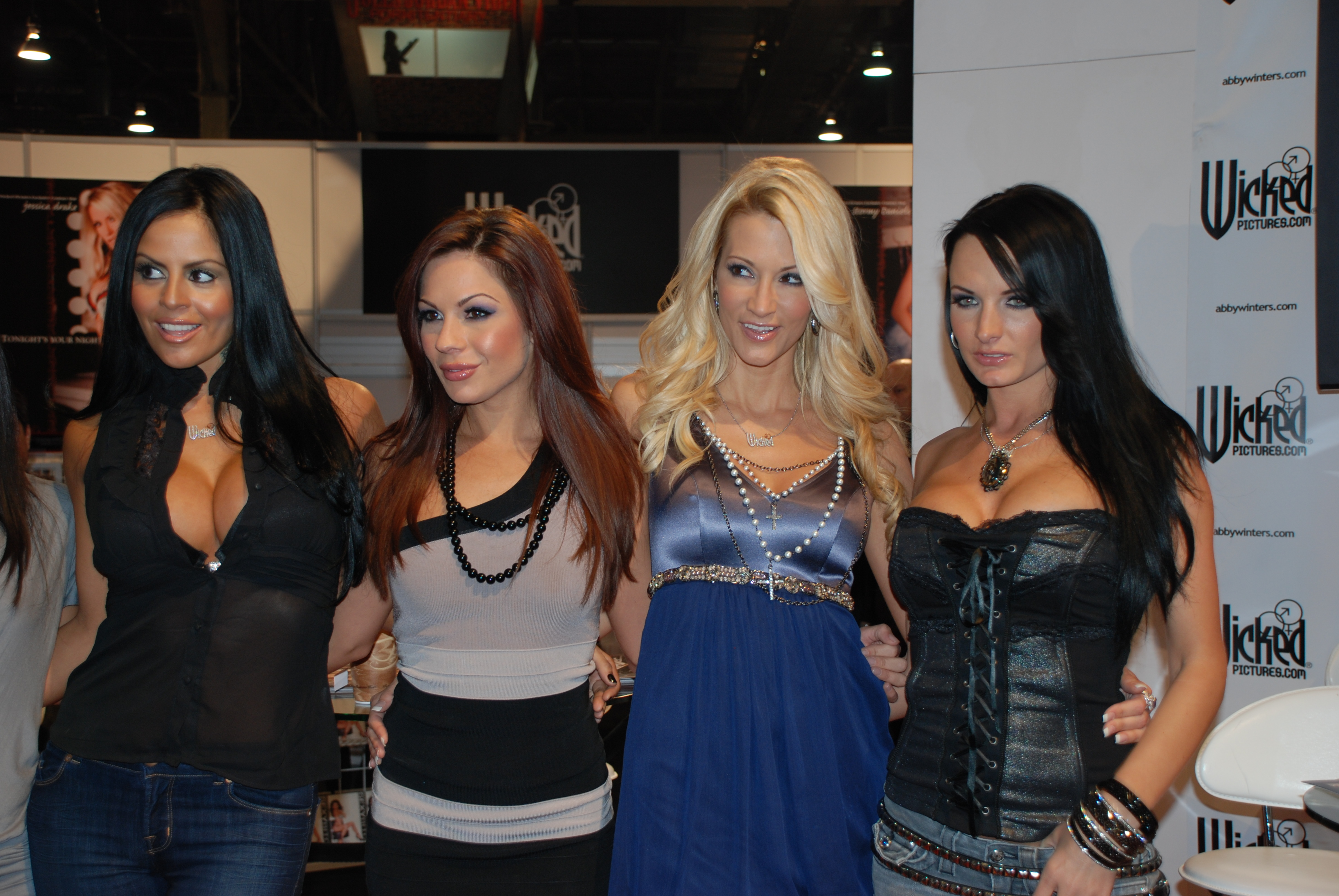 Filewicked Girls At Avn Adult Entertainment Expo 2009 2 Jpg