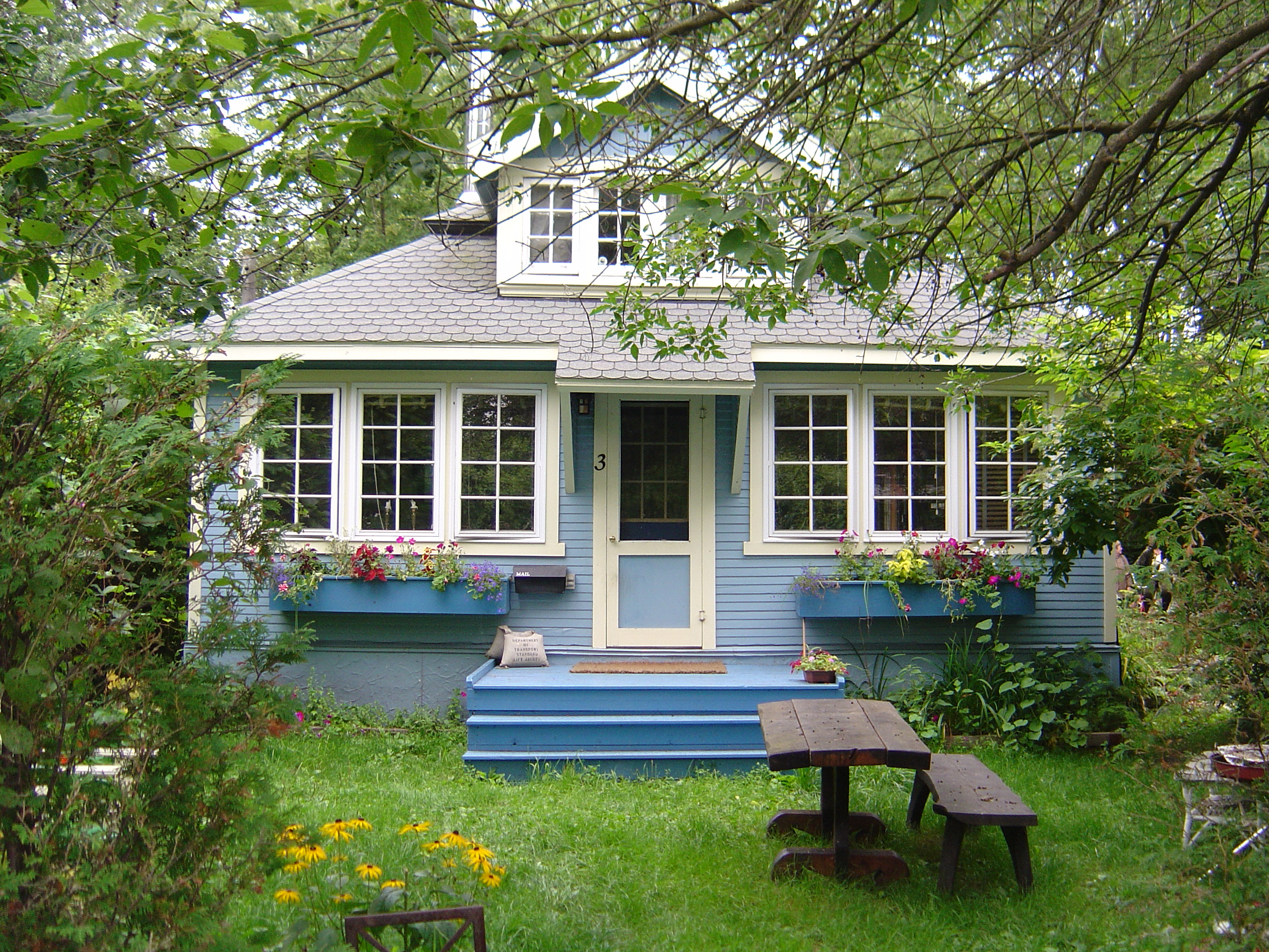 how to buy a house on toronto island