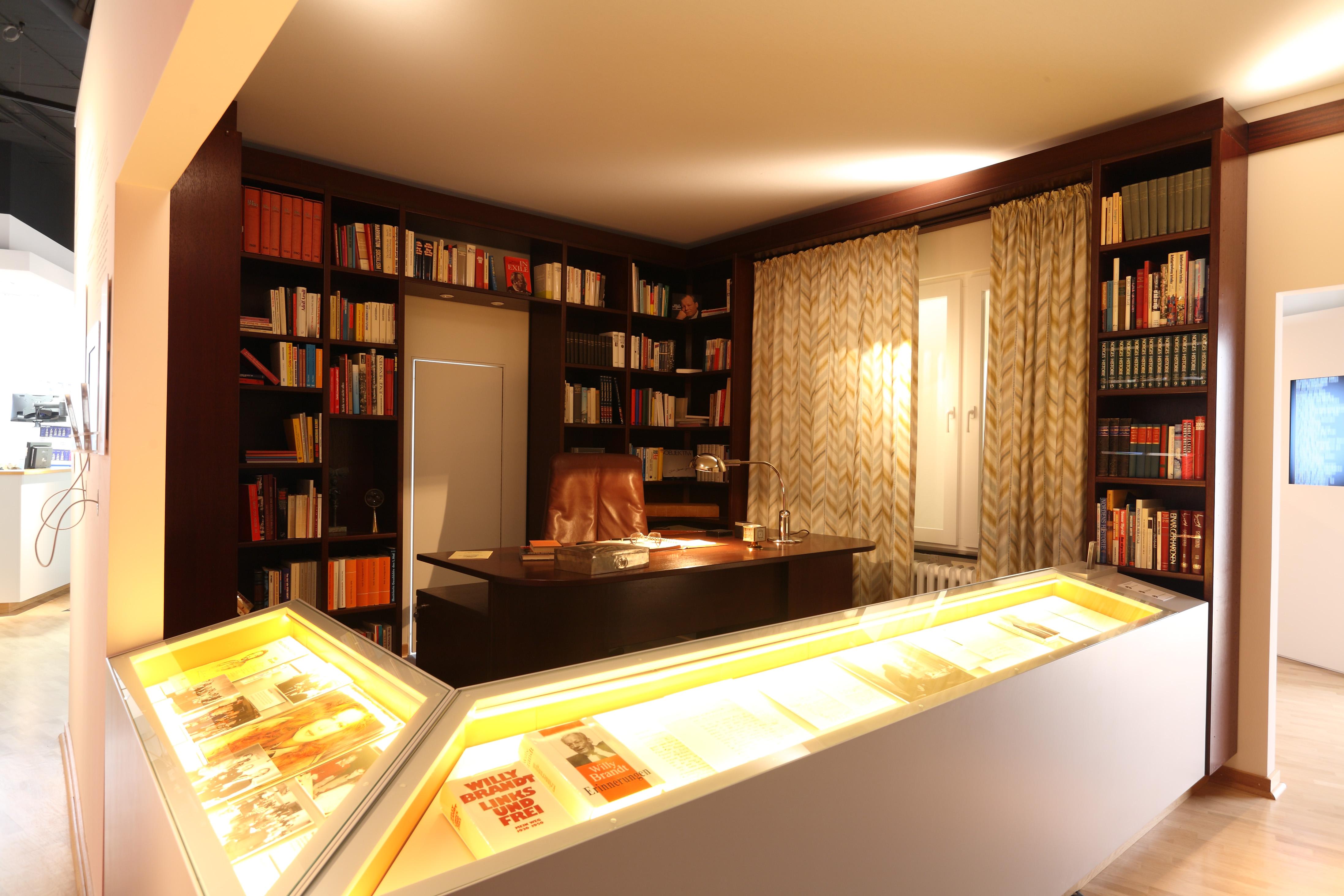 arbeitszimmer gestaltungsm glichkeiten. Black Bedroom Furniture Sets. Home Design Ideas