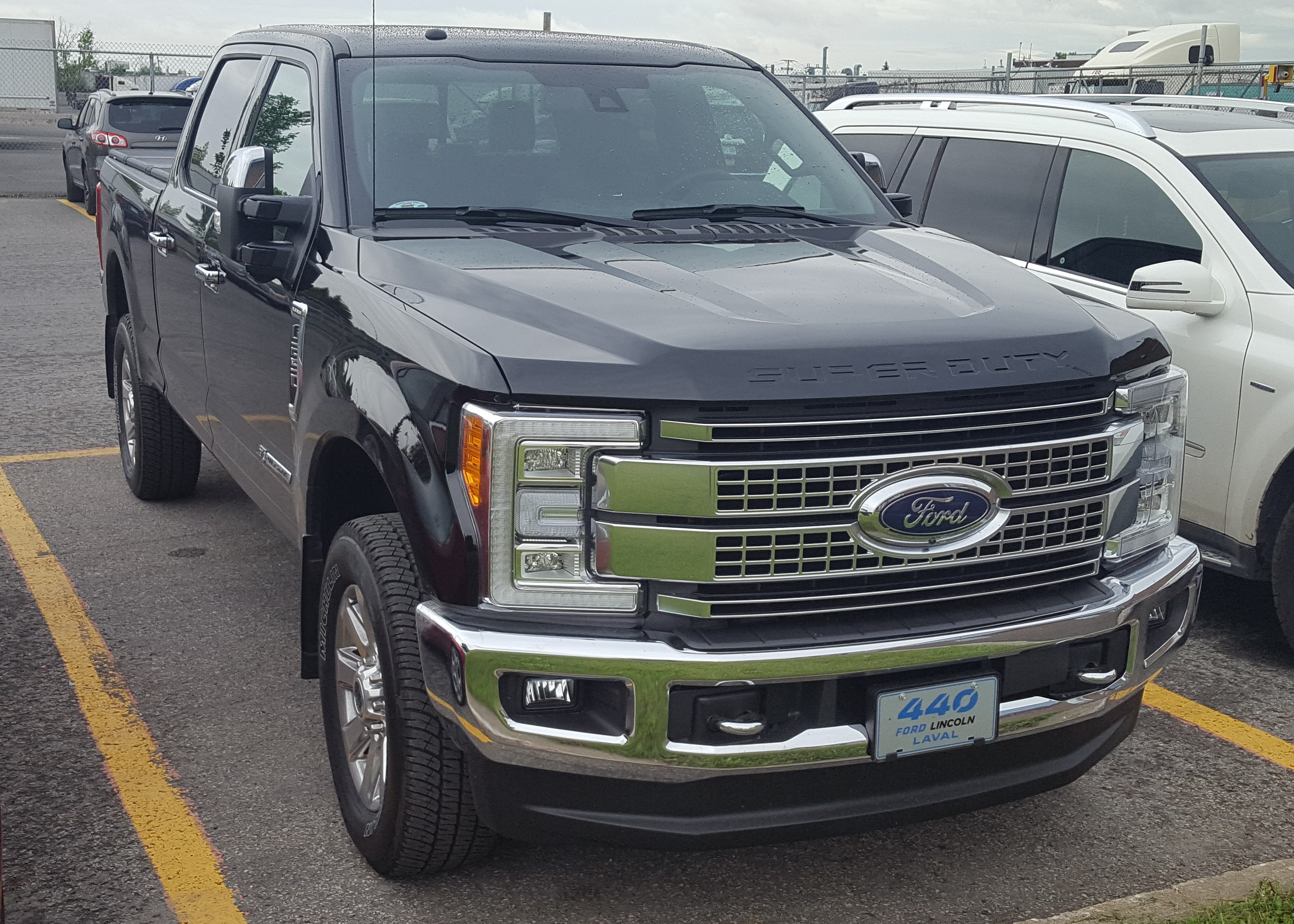17 Ford Super Duty F 250 Crew Cab