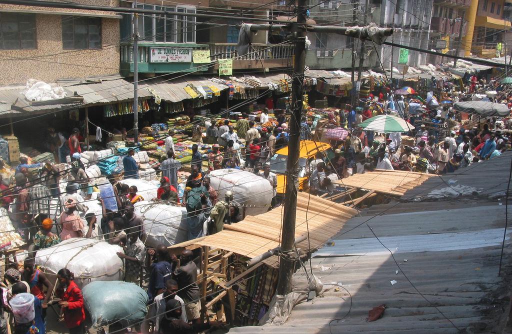 file 2005 market lagos nigeria 12129005 jpg wikimedia commons