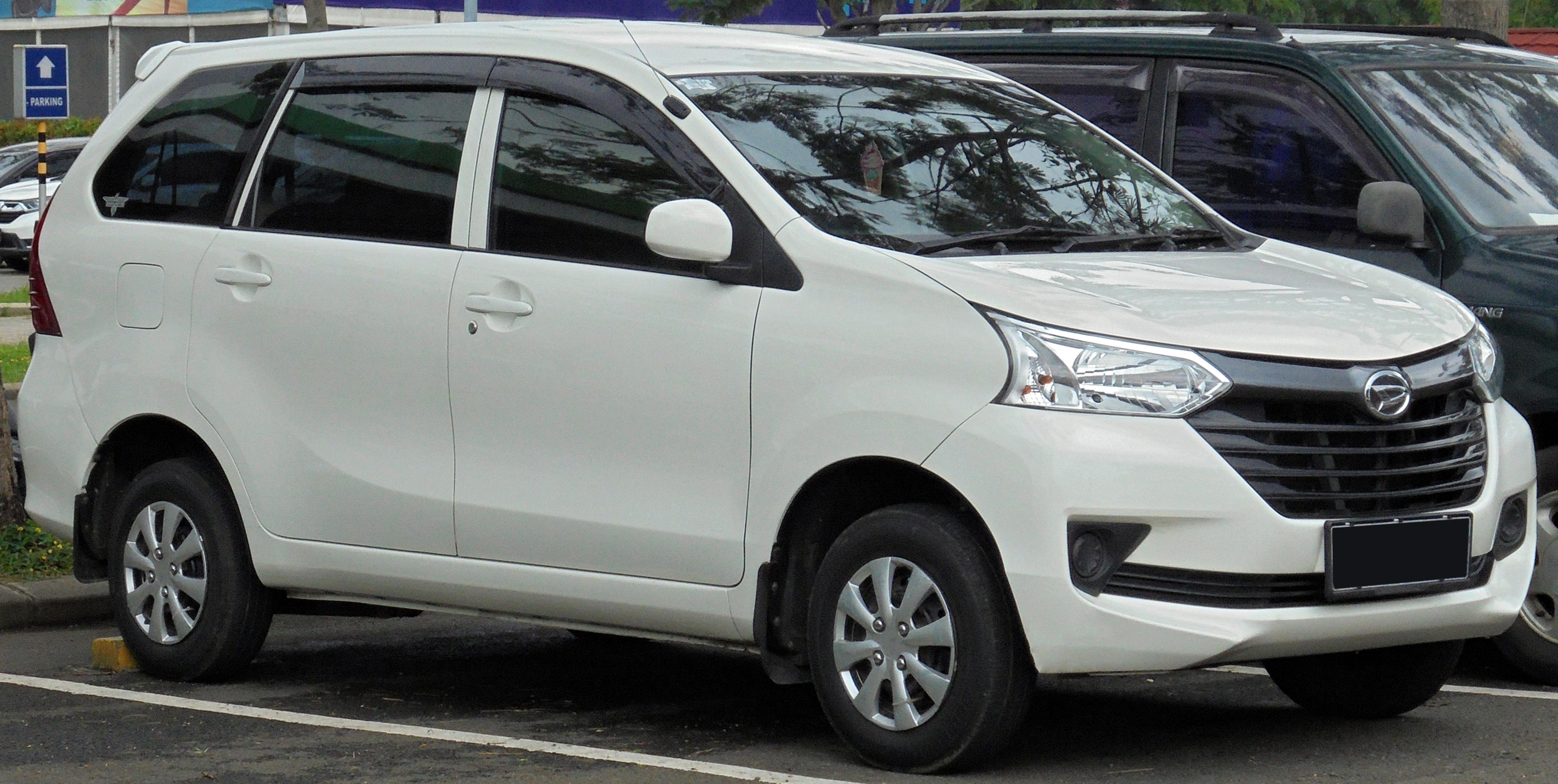 File:2016 Daihatsu Xenia 1.0 M wagon (F650RV; 01-27-2019 ...