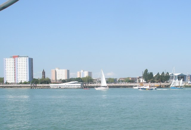 File:Approaching Gosport on a glorious morning in Late spring - geograph.org.uk - 1326417.jpg