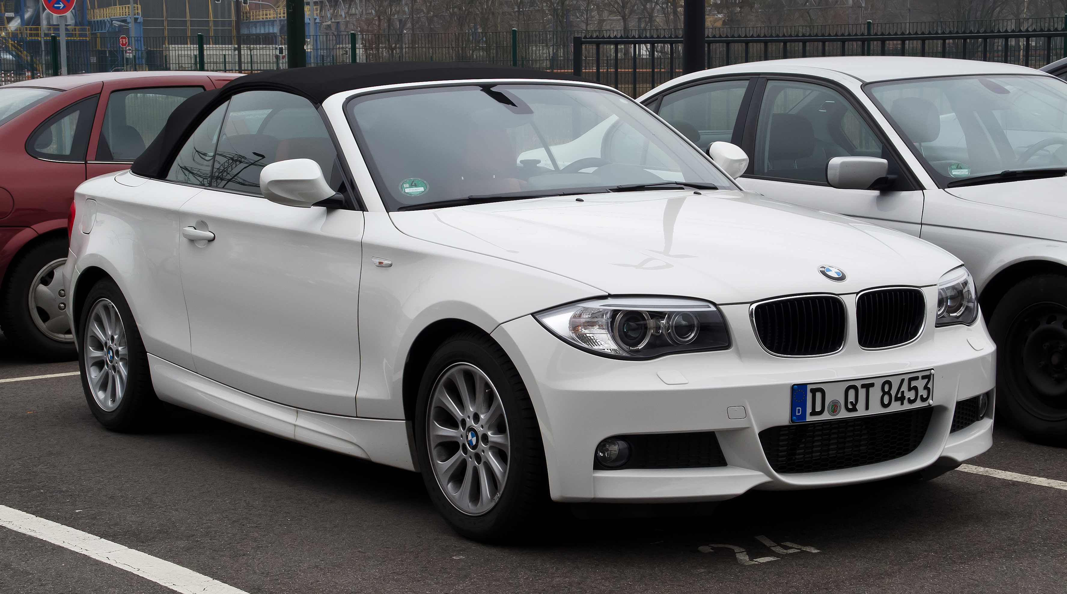 file bmw 1er cabriolet m sportpaket e88 facelift frontansicht 17 m rz 2012 d sseldorf. Black Bedroom Furniture Sets. Home Design Ideas