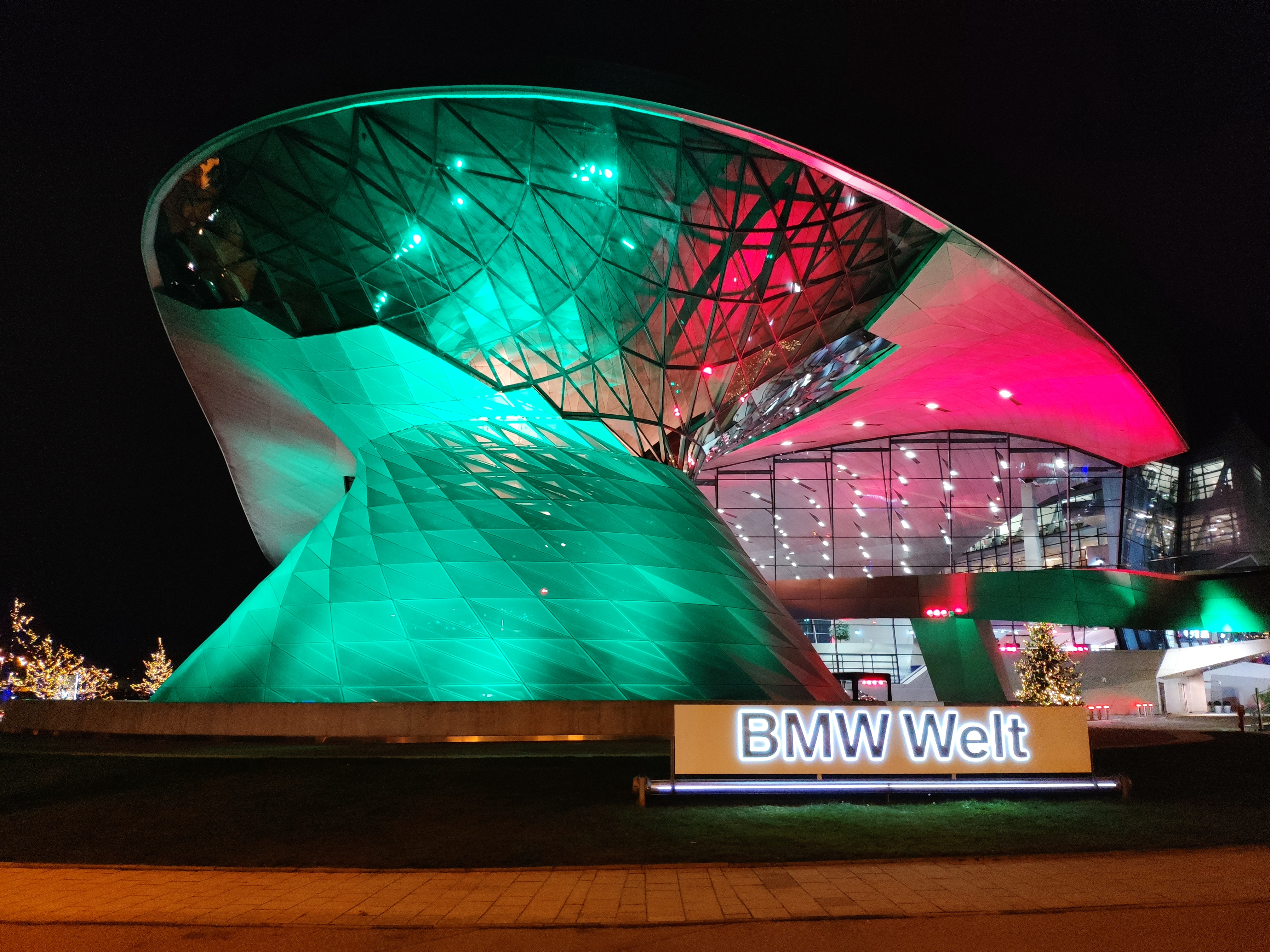 BMW Welt Winter2.jpg