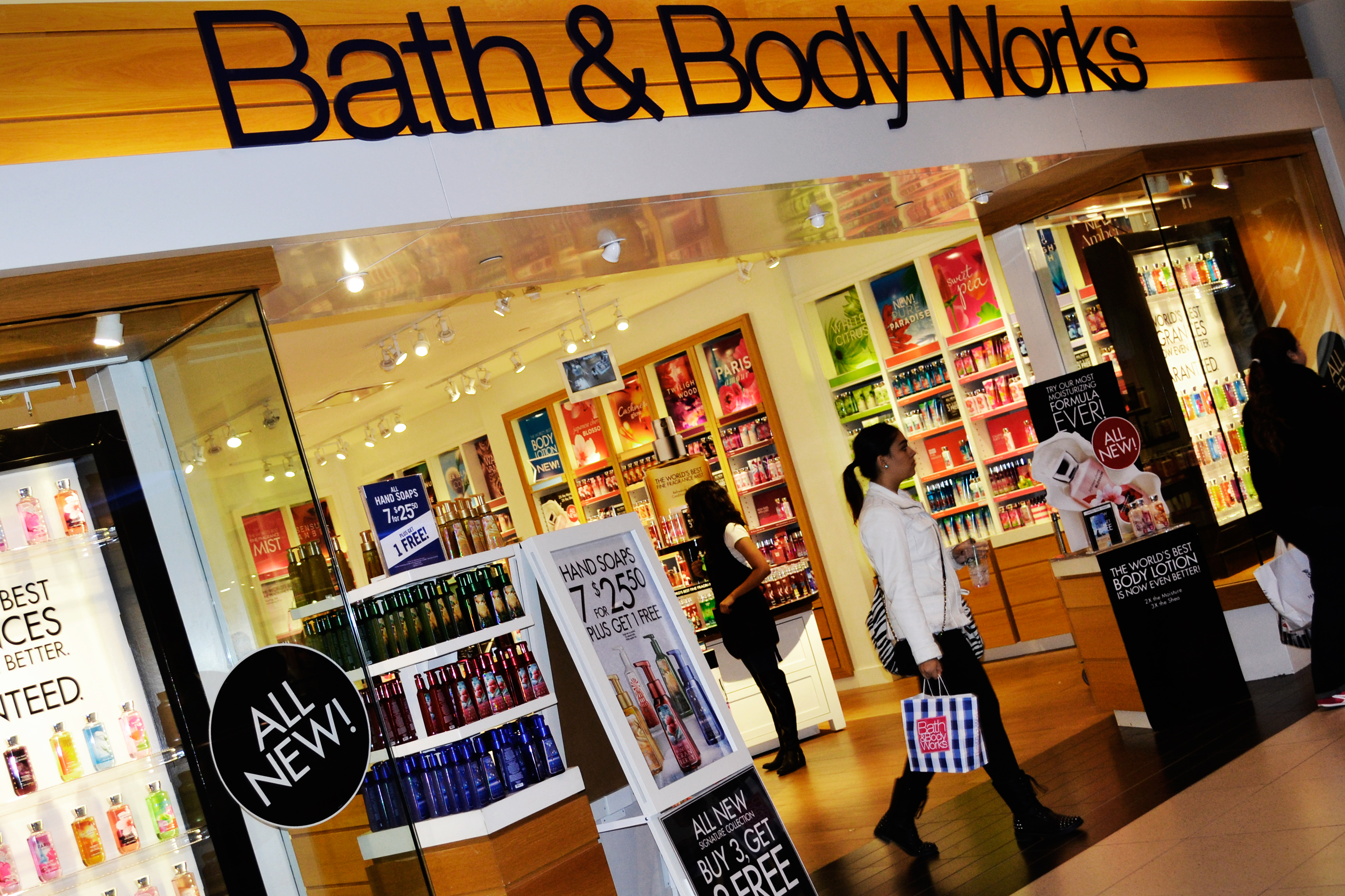 File:Bath and Body Works store in Toronto jpg - Wikimedia Commons