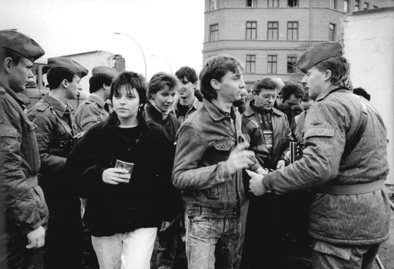Grenzübergang Oderberger Str. 1989 - Quelle; WikiCommons, siehe Abschnitt unten