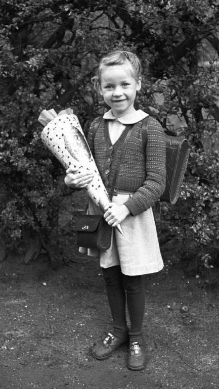 Erster Schultag 1953 - Quelle: WikiCommons