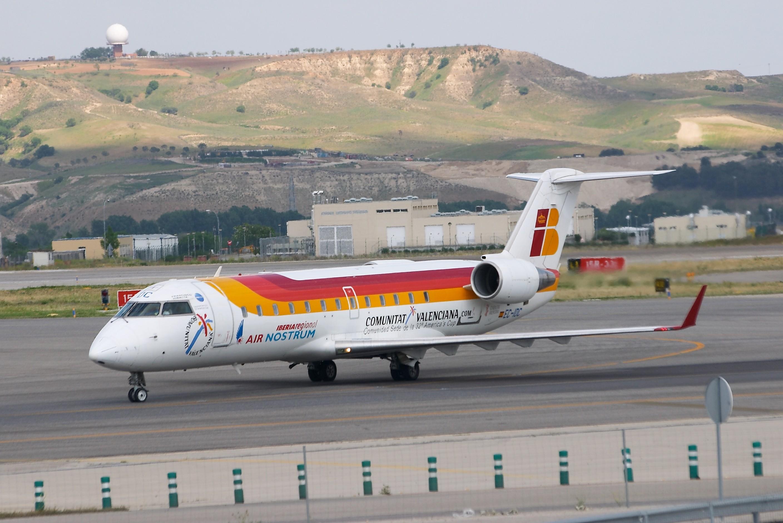 Cl-600-2b19 regional jet crj-200er - air nostrum - ec-idc - lemd