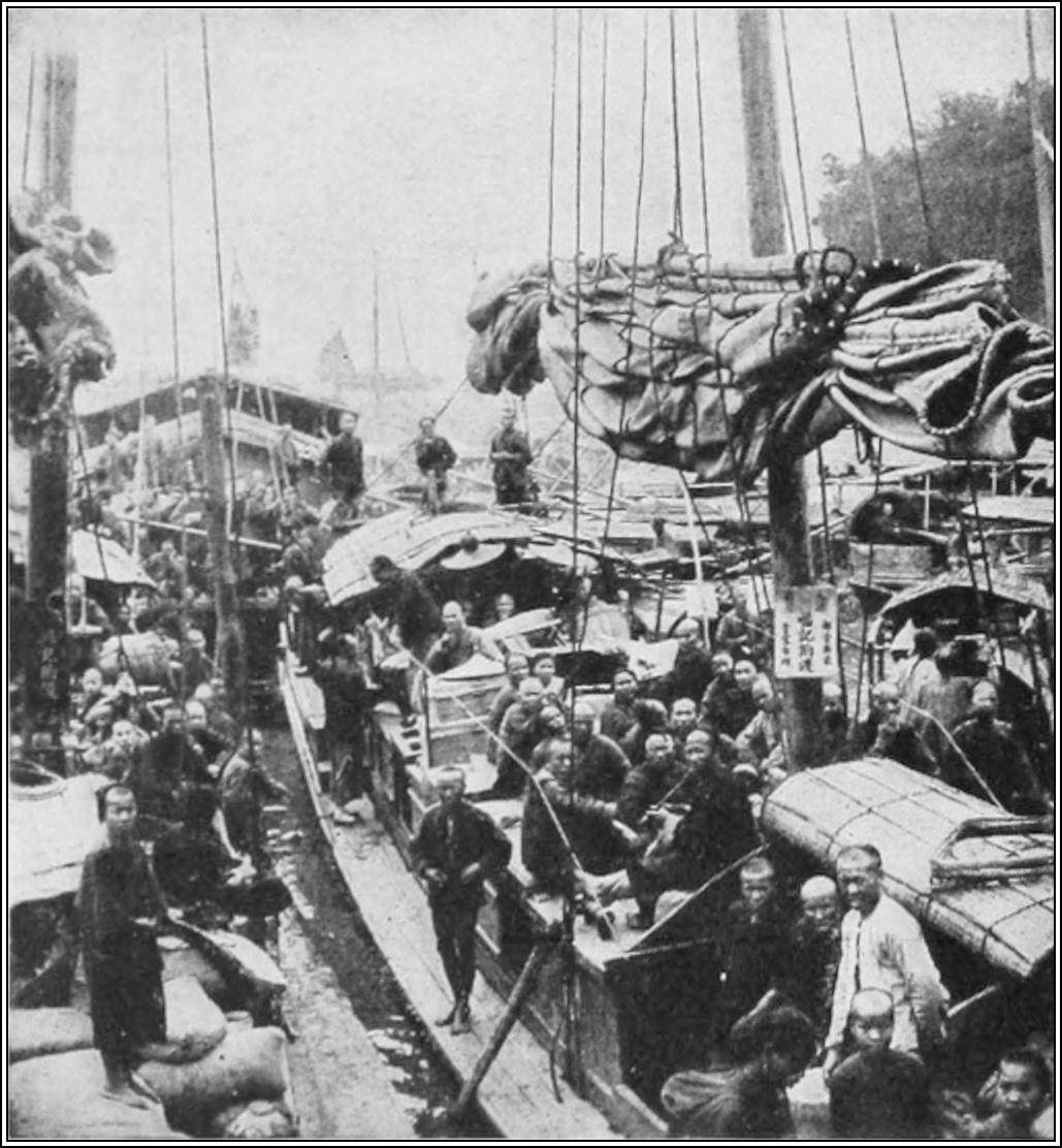 Canton1920 d026 river boats with native passengers.jpg
