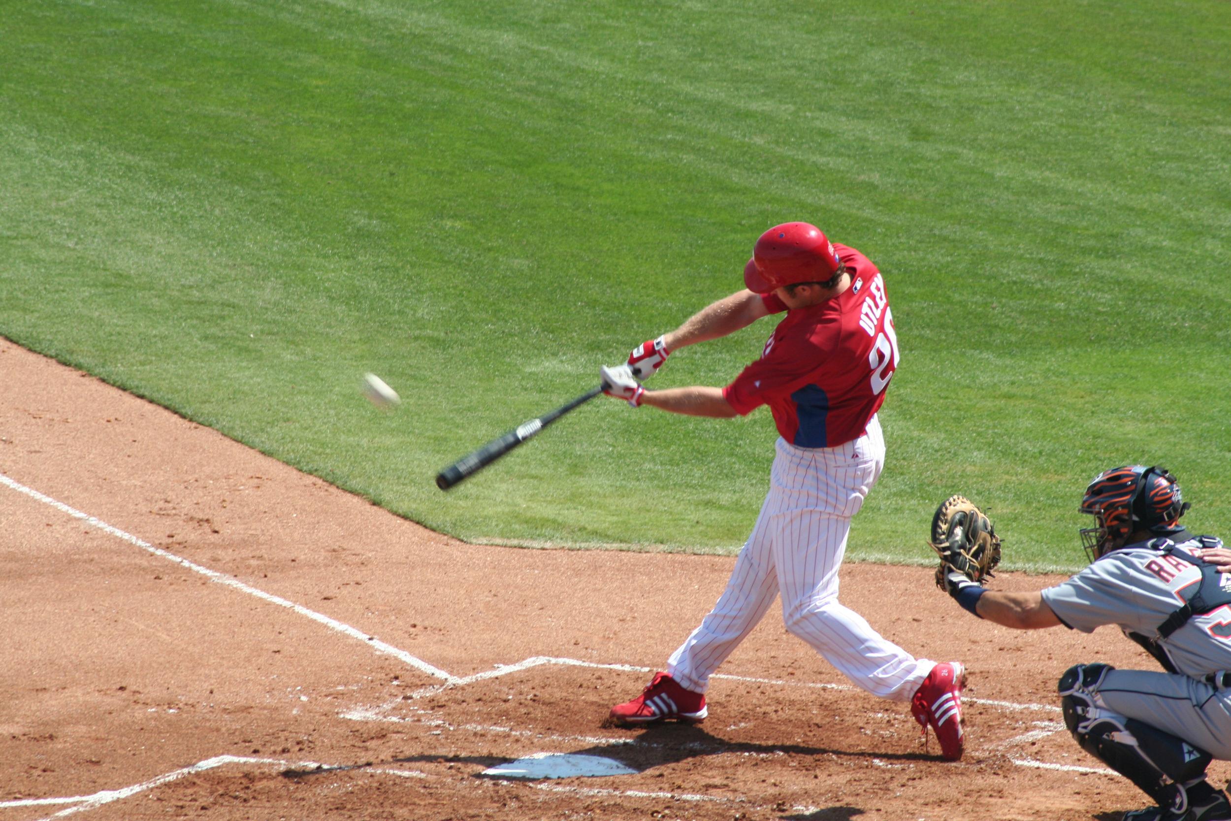 File:Chase Utley Home Run.jpg - Wikimedia Commons