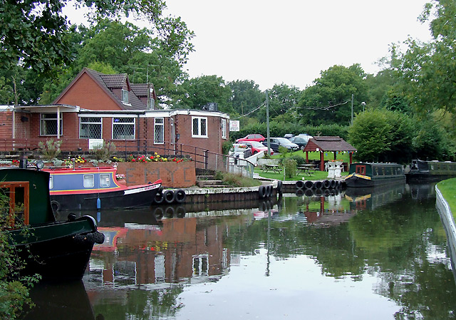 Clubhouse by the Stratford-upon-Avon Canal, Earlswood - geograph.org.uk - 1719123