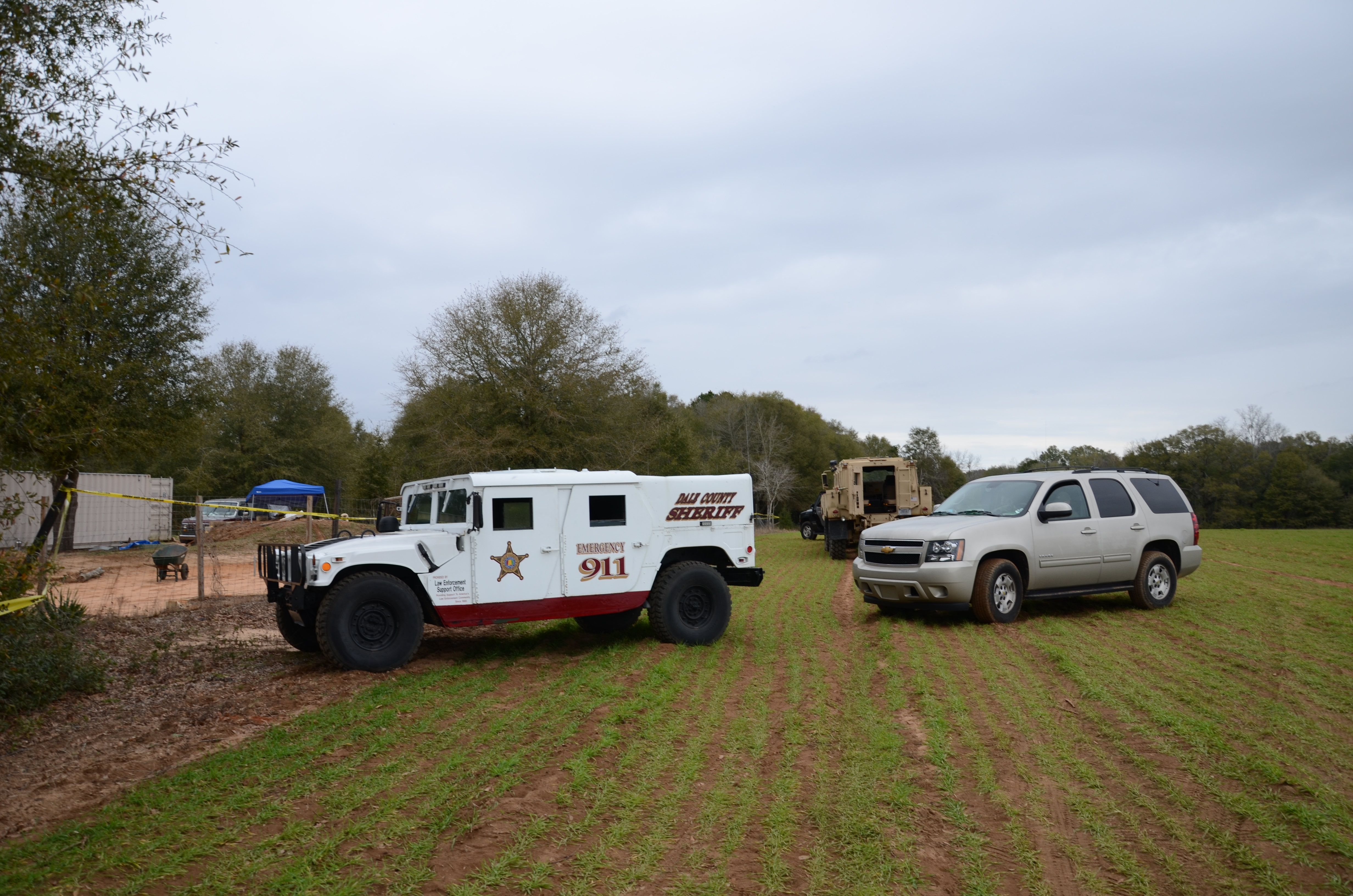 File:Dale County Sheriff HMMWV at Midland City hostage bunker.jpgbalance of dale county