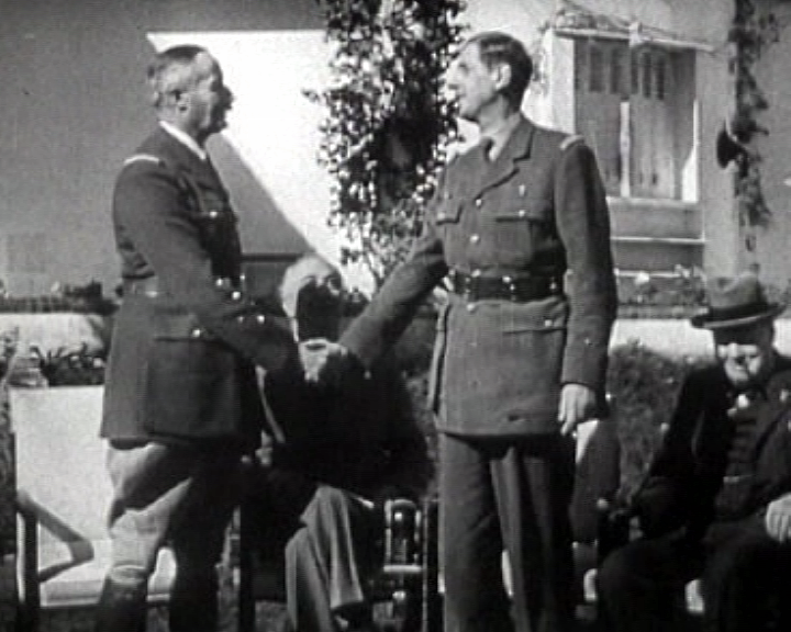 FFF leaders General Henri Giraud and General Charles de Gaulle in front of Roosevelt and Churchill at the Casablanca Conference, 14 January 1943.