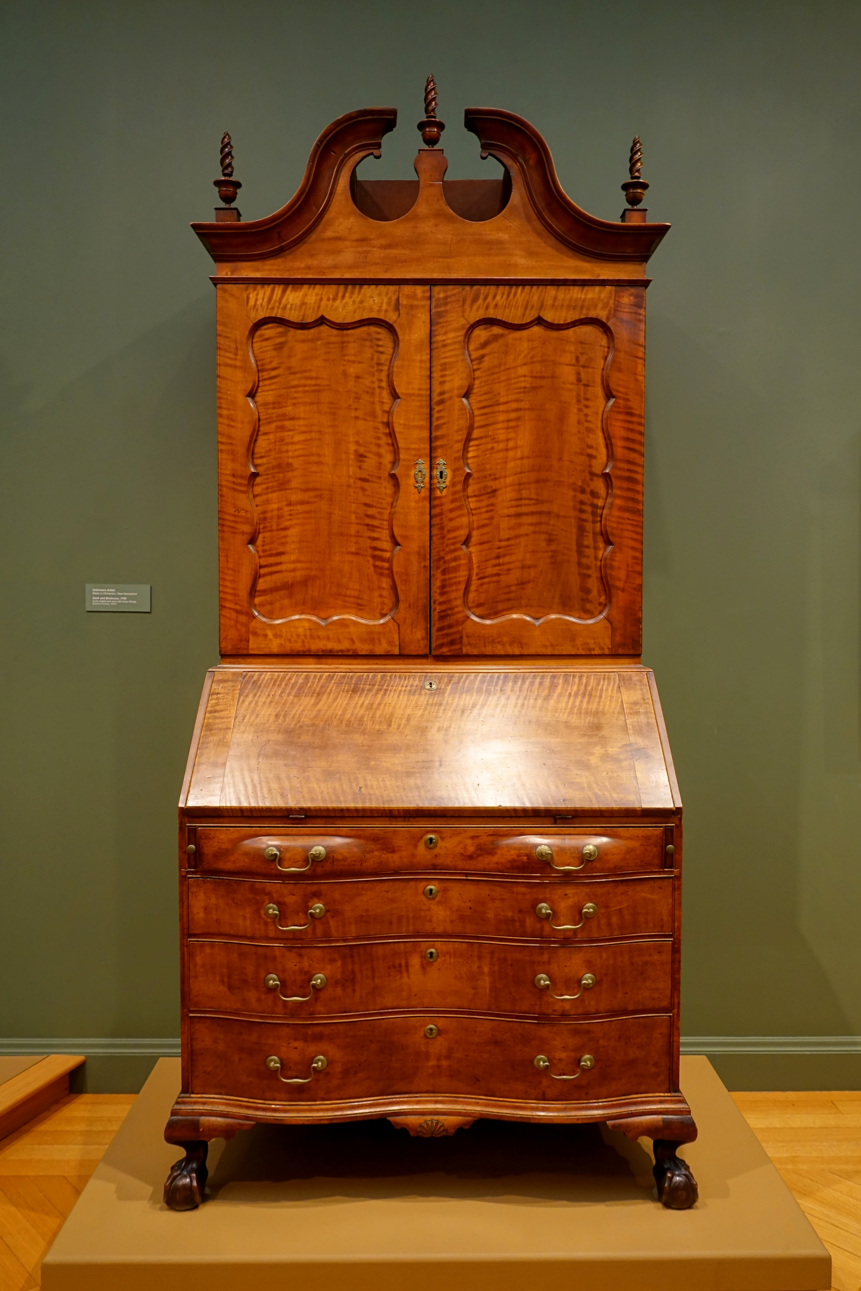 Beau File:Desk And Bookcase, Unknown Maker, Gilmanton, New Hampshire, 1799,  Curly Maple, Pine, Brass Fittings   Currier Museum Of Art   Manchester, NH  ...