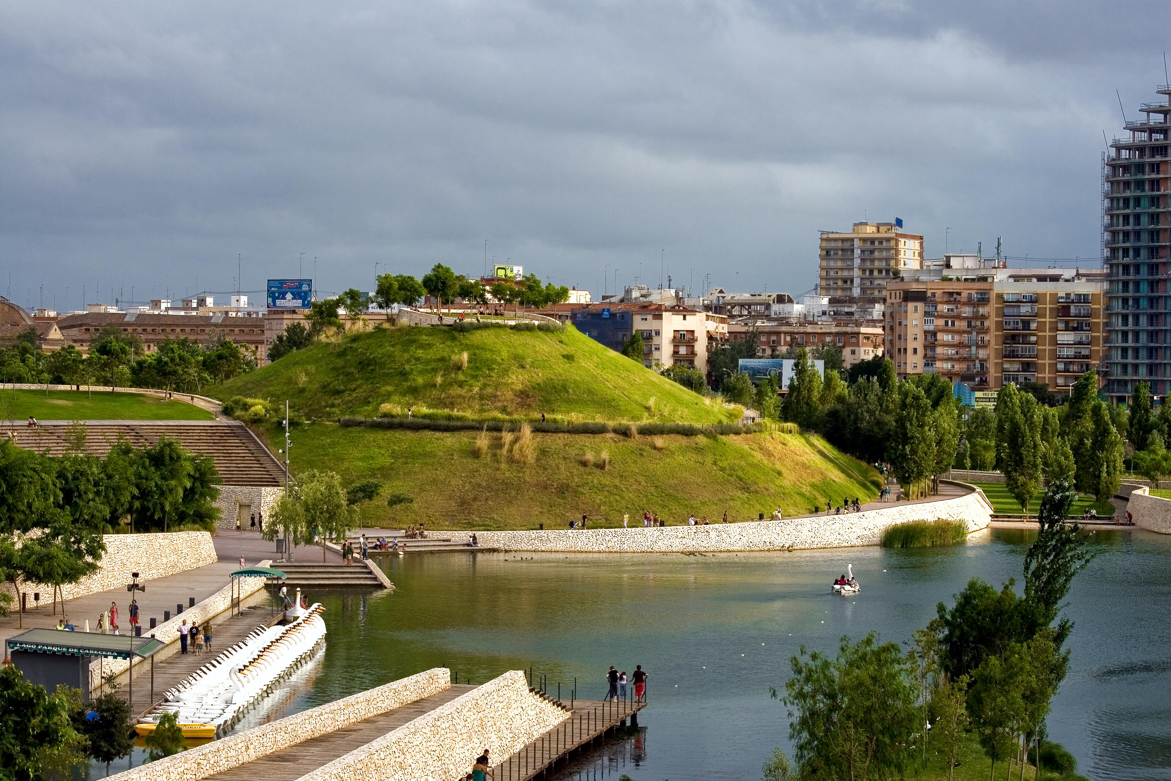 File el turia desde bioparc valencia 2786917897 jpg wikimedia commons - Jardin del turia valencia ...