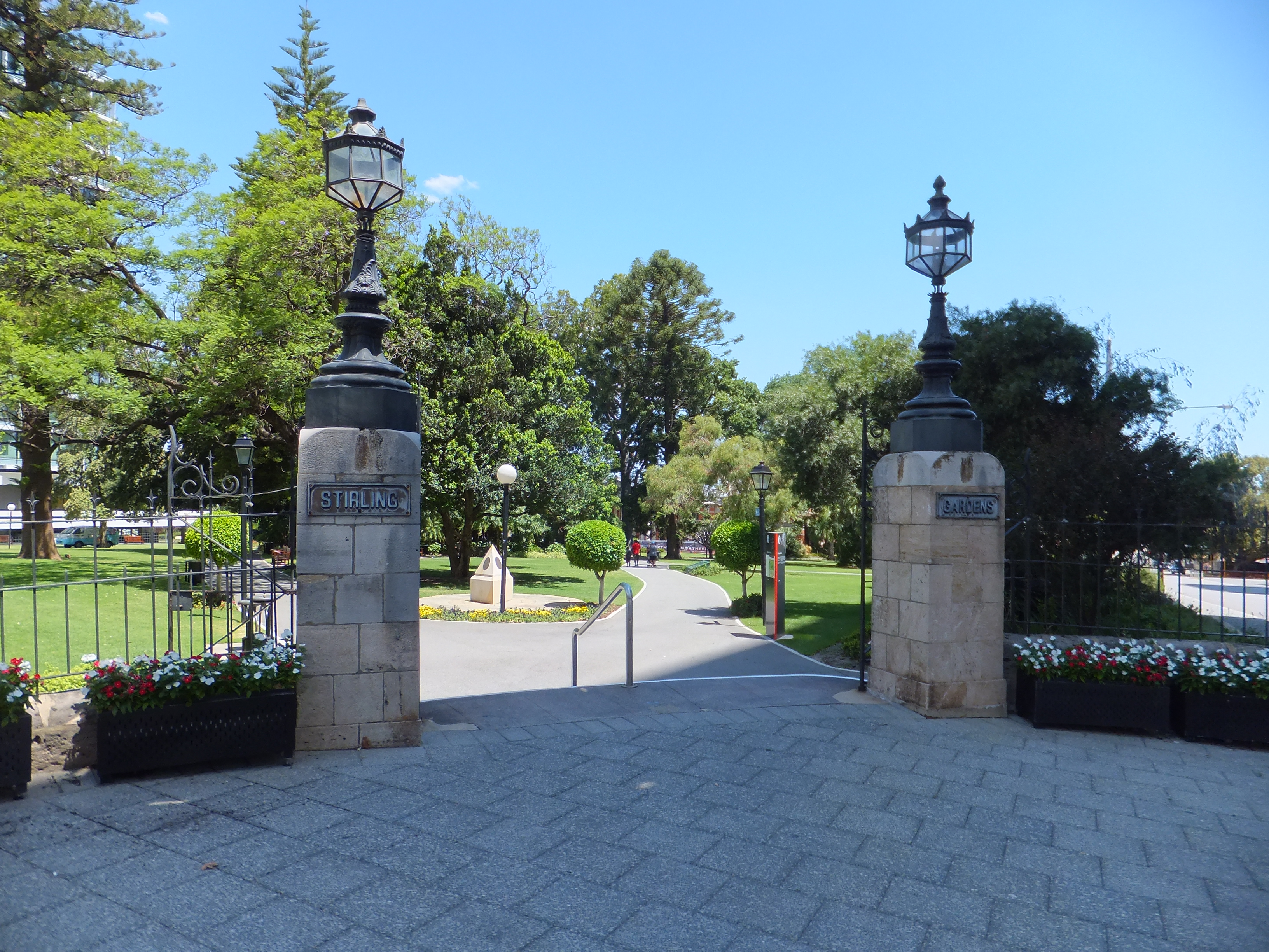 File Entry Gates To Stirling Wikimedia Commons