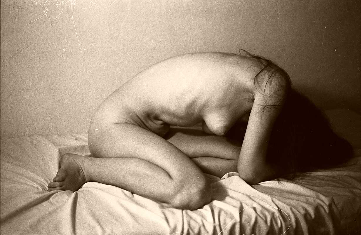 File:Female Nude self portrait, vintage style.jpg