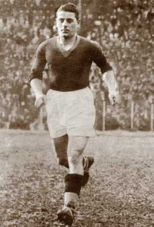 Attilio Ferraris, Roma captain during their formative years FerrarisIV.jpg