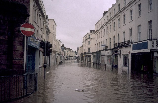 File Floods At Bath Street Royal Leamington Spa Wikimedia Commons