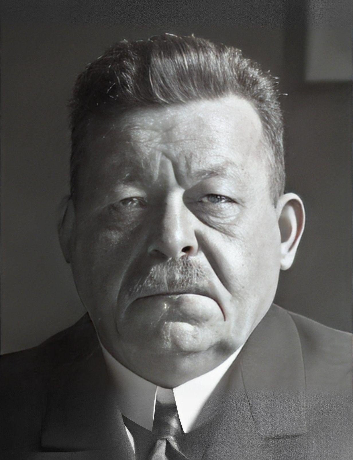 Friedrich Ebert face.jpg