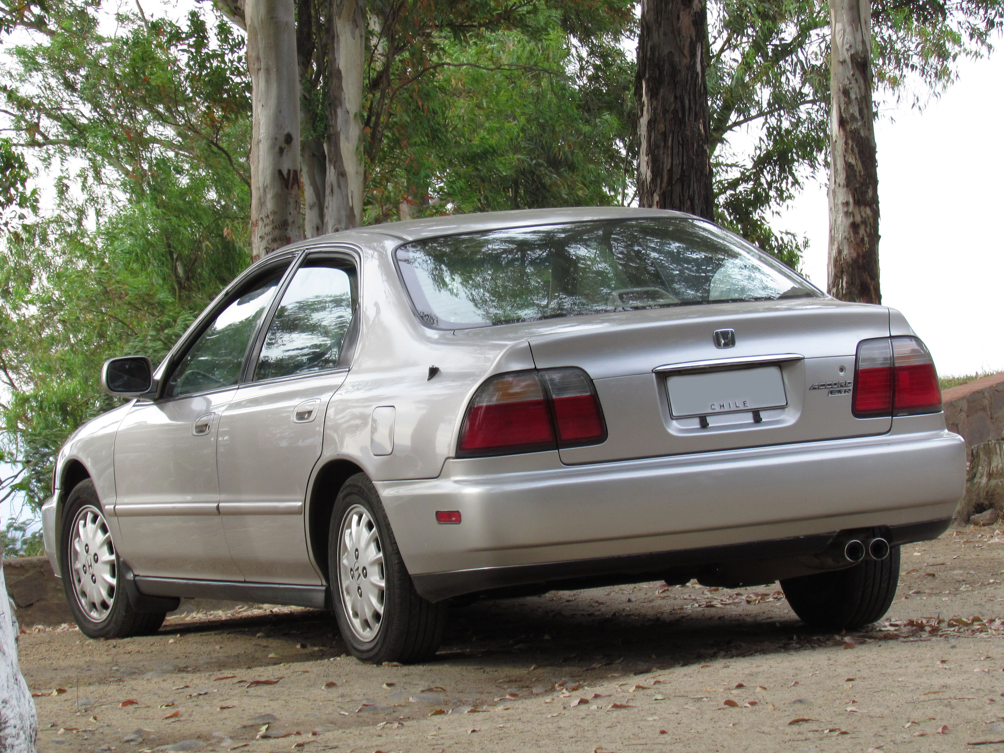File:Honda Accord 2.2 EX-R 1996 (11879166973).jpg - Wikimedia Commons