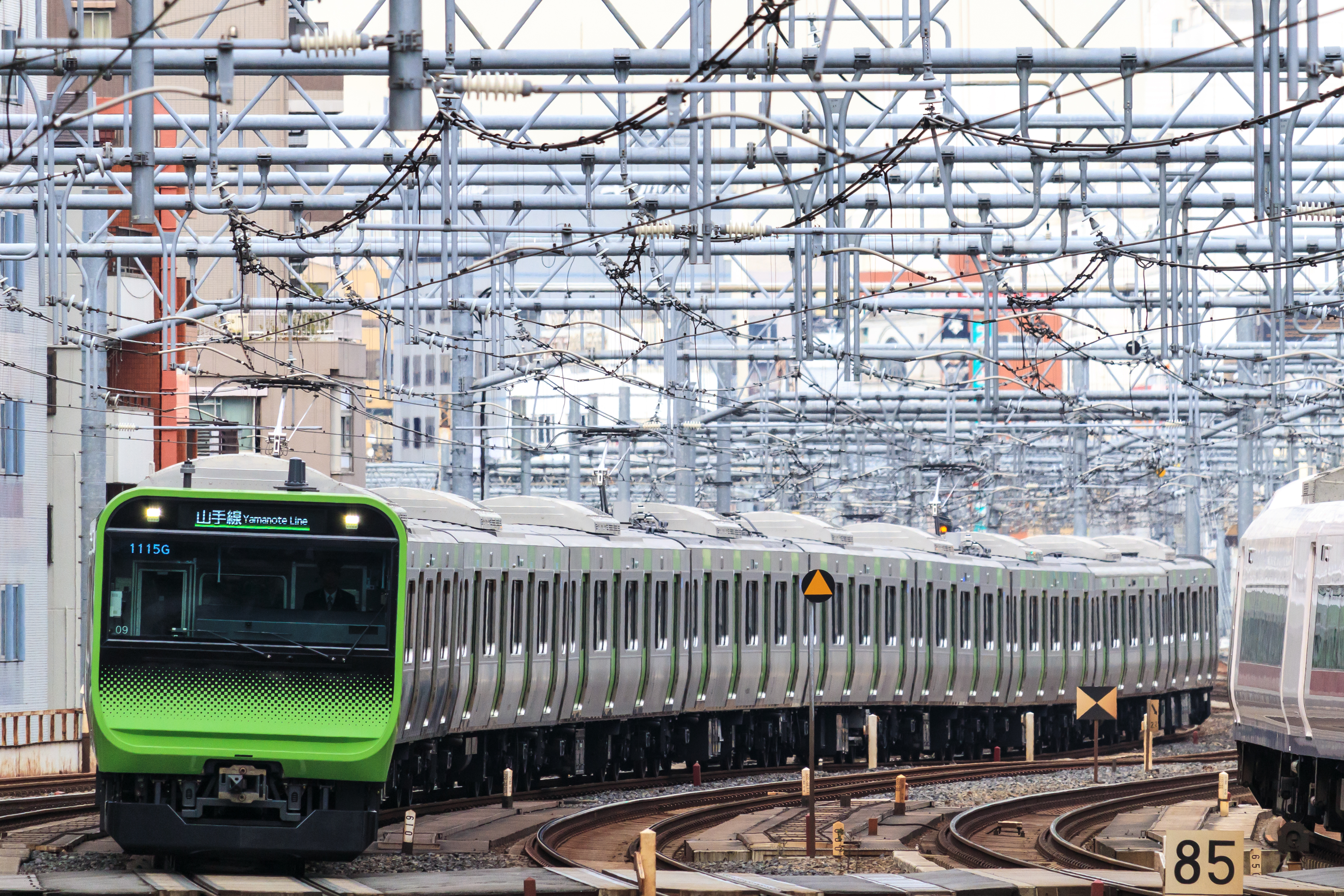 File:JRE E235 series Yamanote Line 2017-11-20 (38810795341) jpg