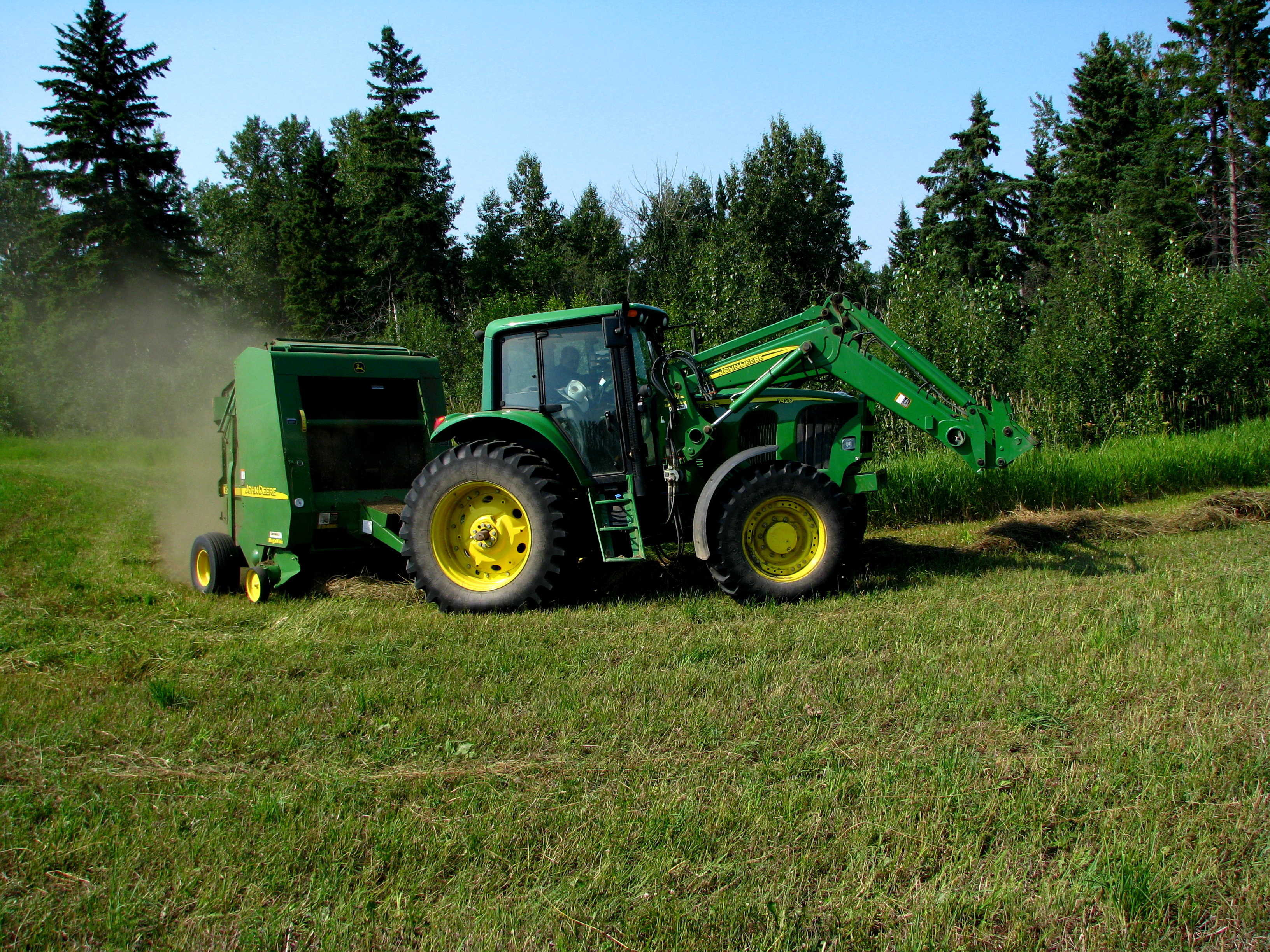 File:John Deere 7420 and 567 baler 1 jpg - Wikimedia Commons
