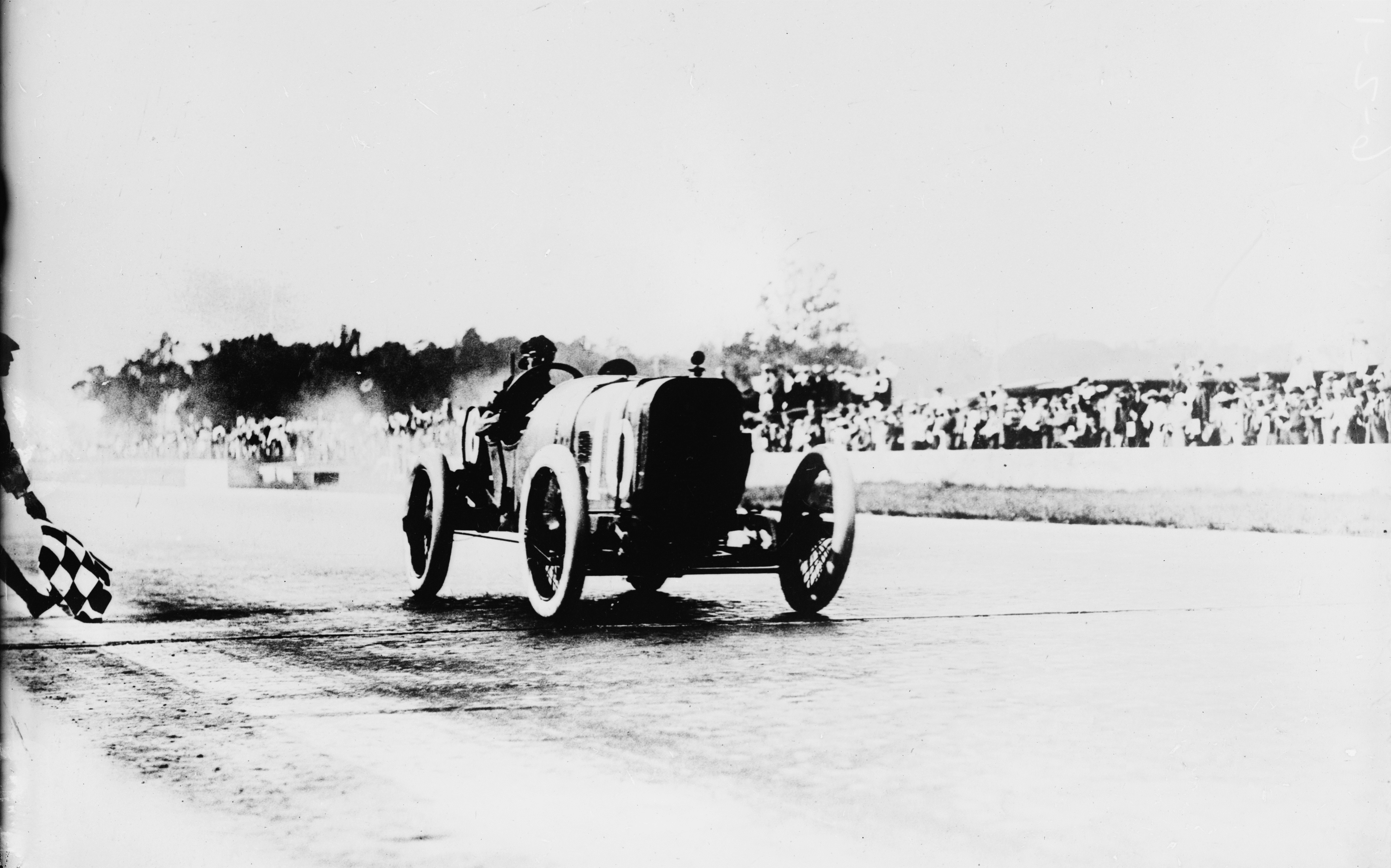 Peugeot wins the 1913 Indianapolis 500