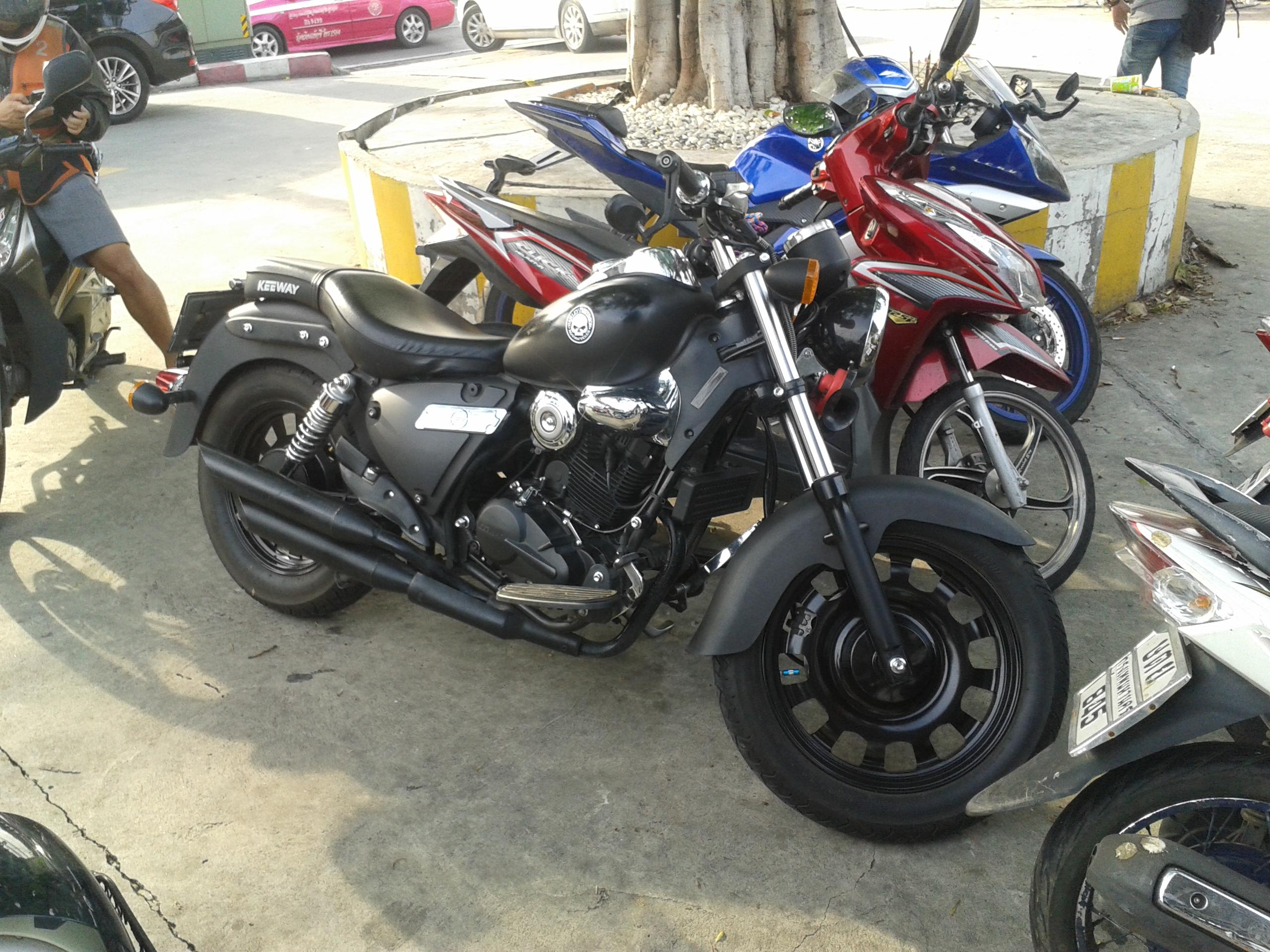File:Keeway Superlight 200 Cruiser Motorcycles in Bangkok