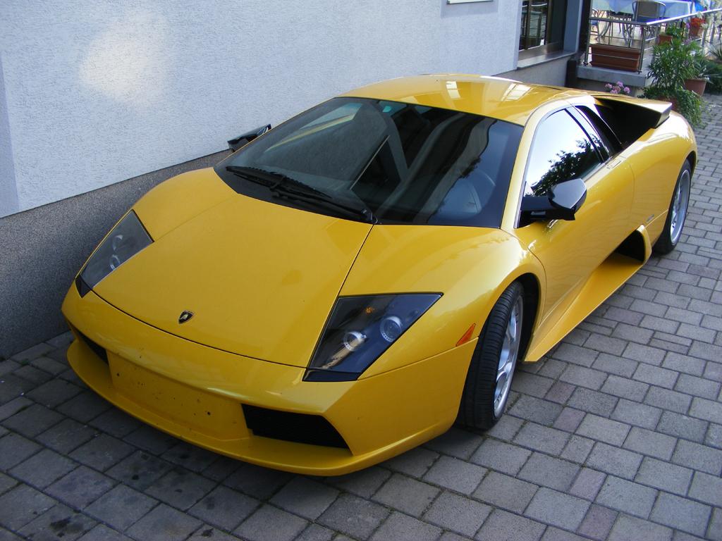 File:Lamborghini Murcielago Front Left1
