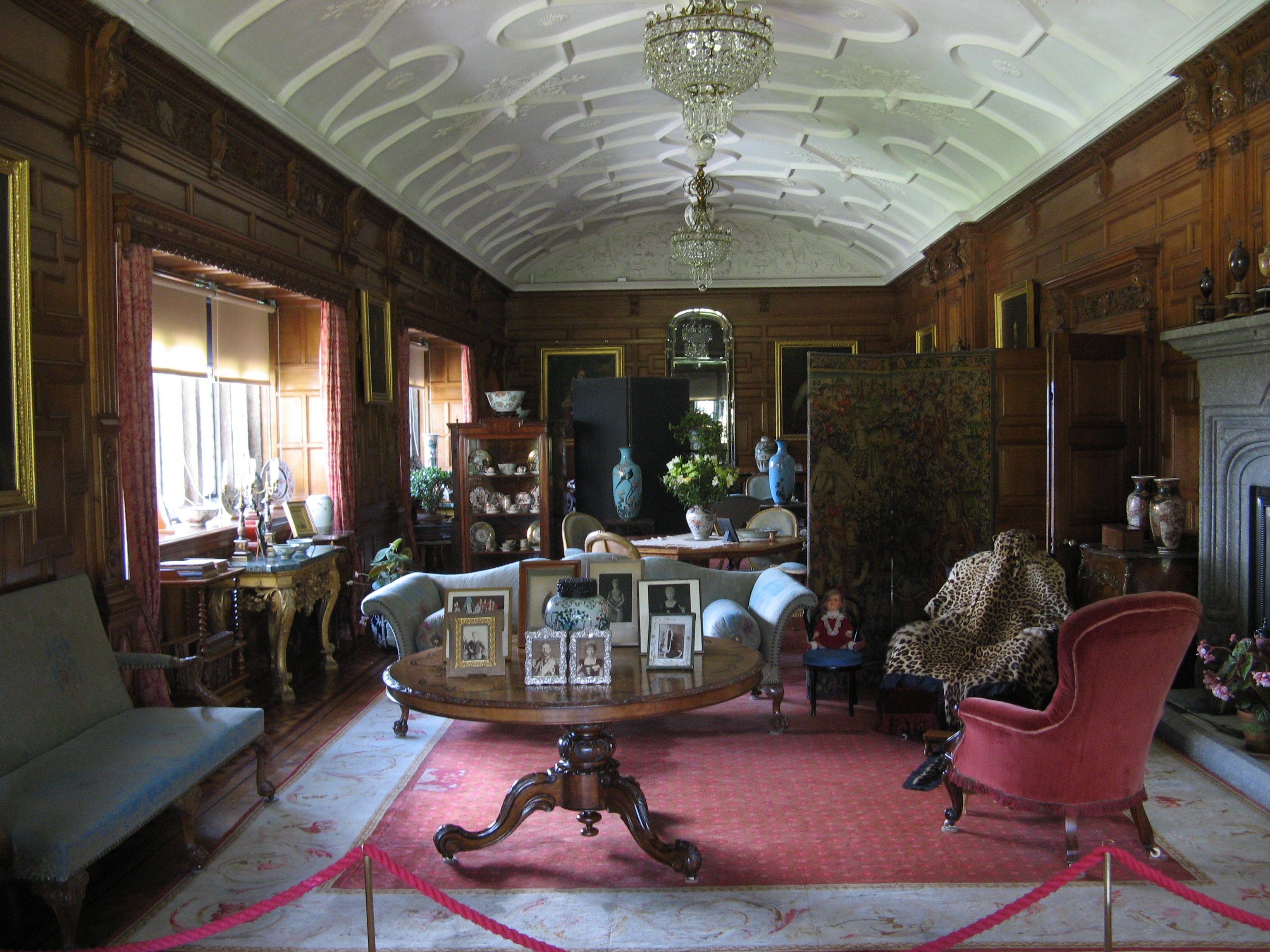 File:Lanhydrock House, Drawing Room.jpg