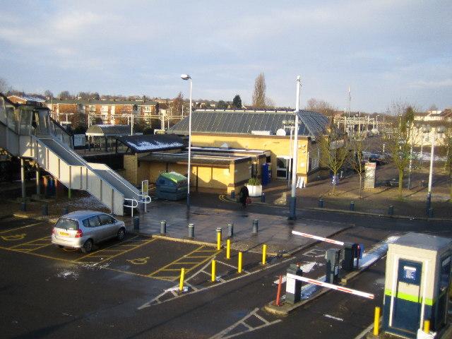 Linslade, Leighton Buzzard railway station - geograph.org.uk - 97345