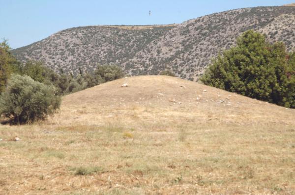 File:Marathon, tomb of the Plataeans.jpg