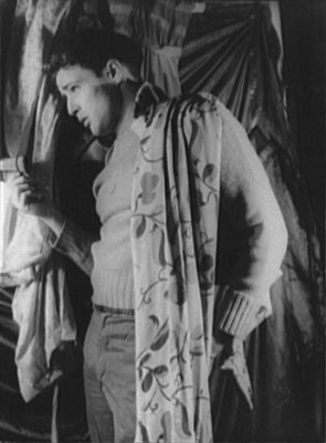 File:Marlon Brando Streetcar 1948.jpg