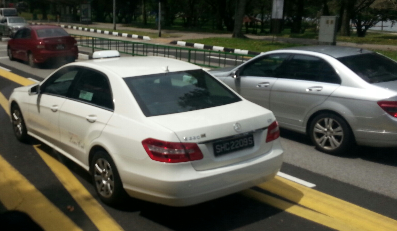 File mercedes benz e220cdi w212 taxi in for Mercedes benz singapore
