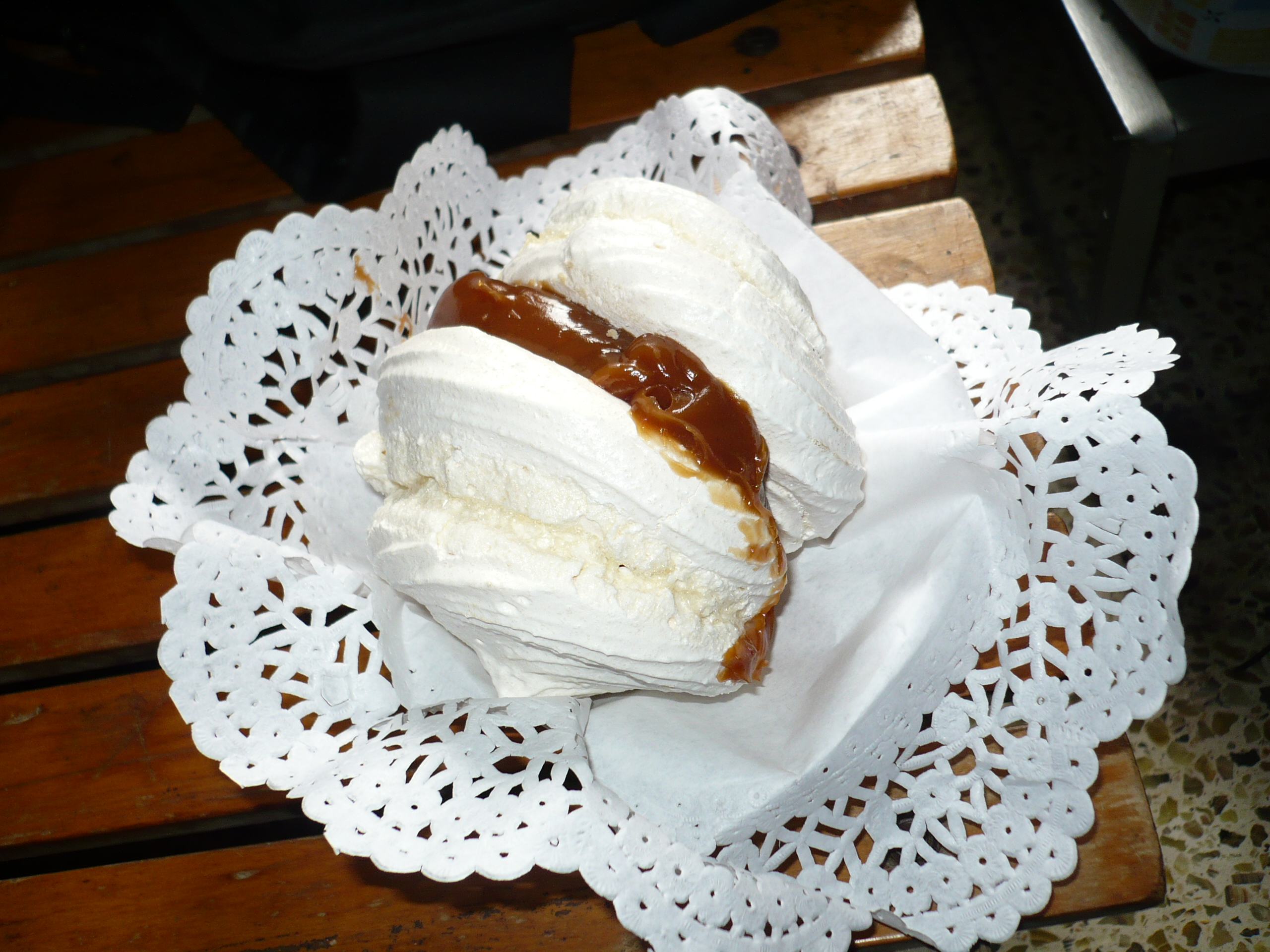 Description Merengue dulce de leche.jpg