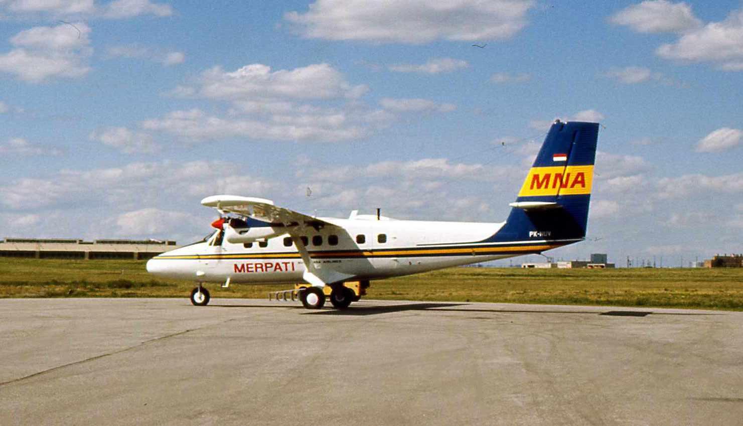 File Merpati Nusantara Airlines DHC 6 PK NUV  Wikimedia Mons