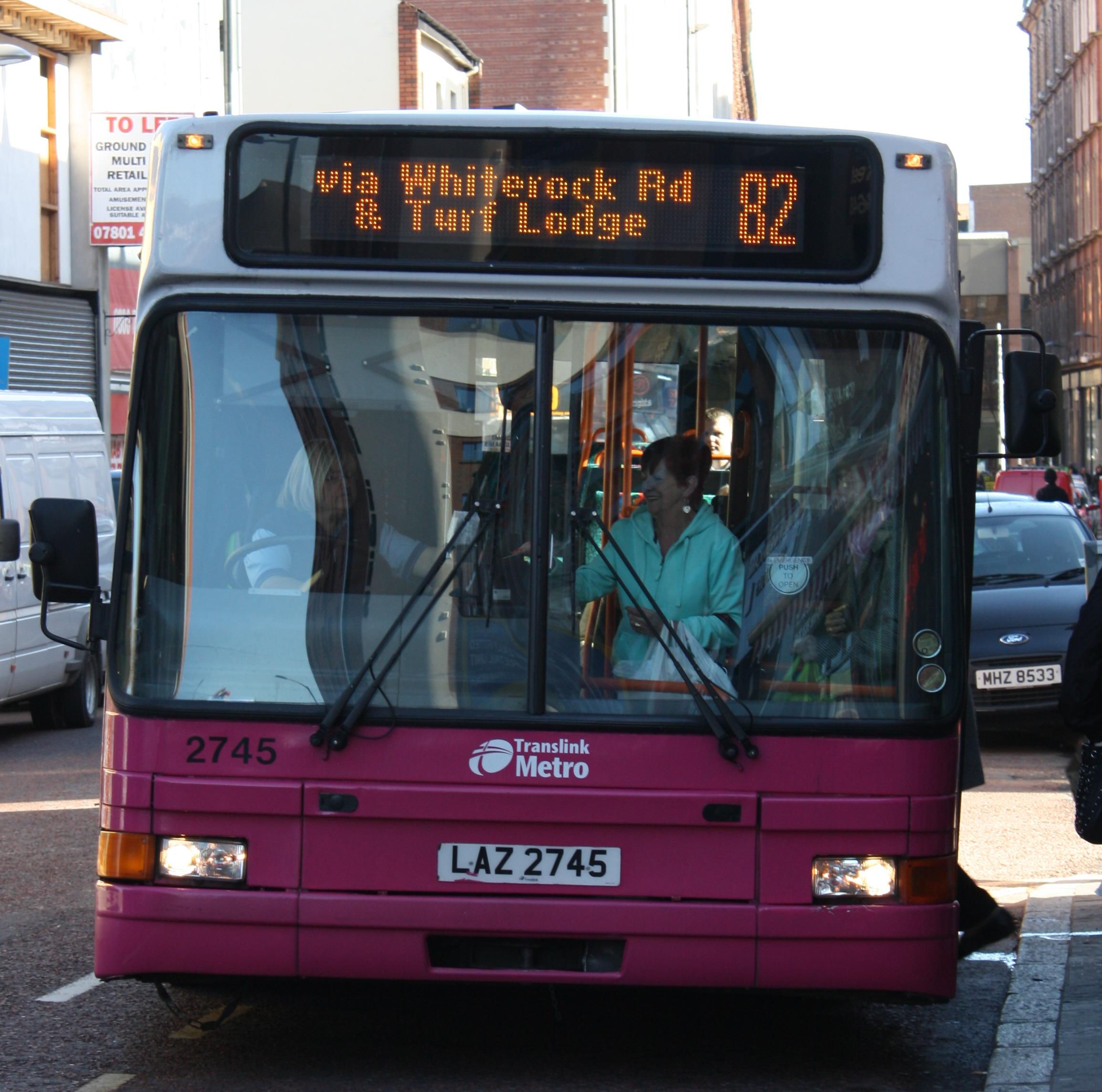 File:Metro (Belfast) bus 2745 (LAZ 2745) 1997 Volvo B10L Alexander