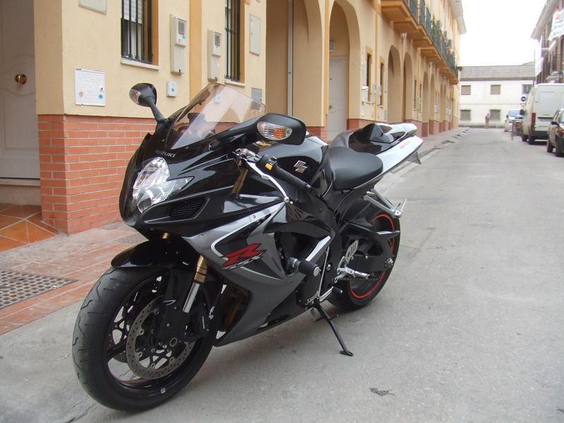 Que estilo de moto llevas en la sangre???? Moto_deportiva