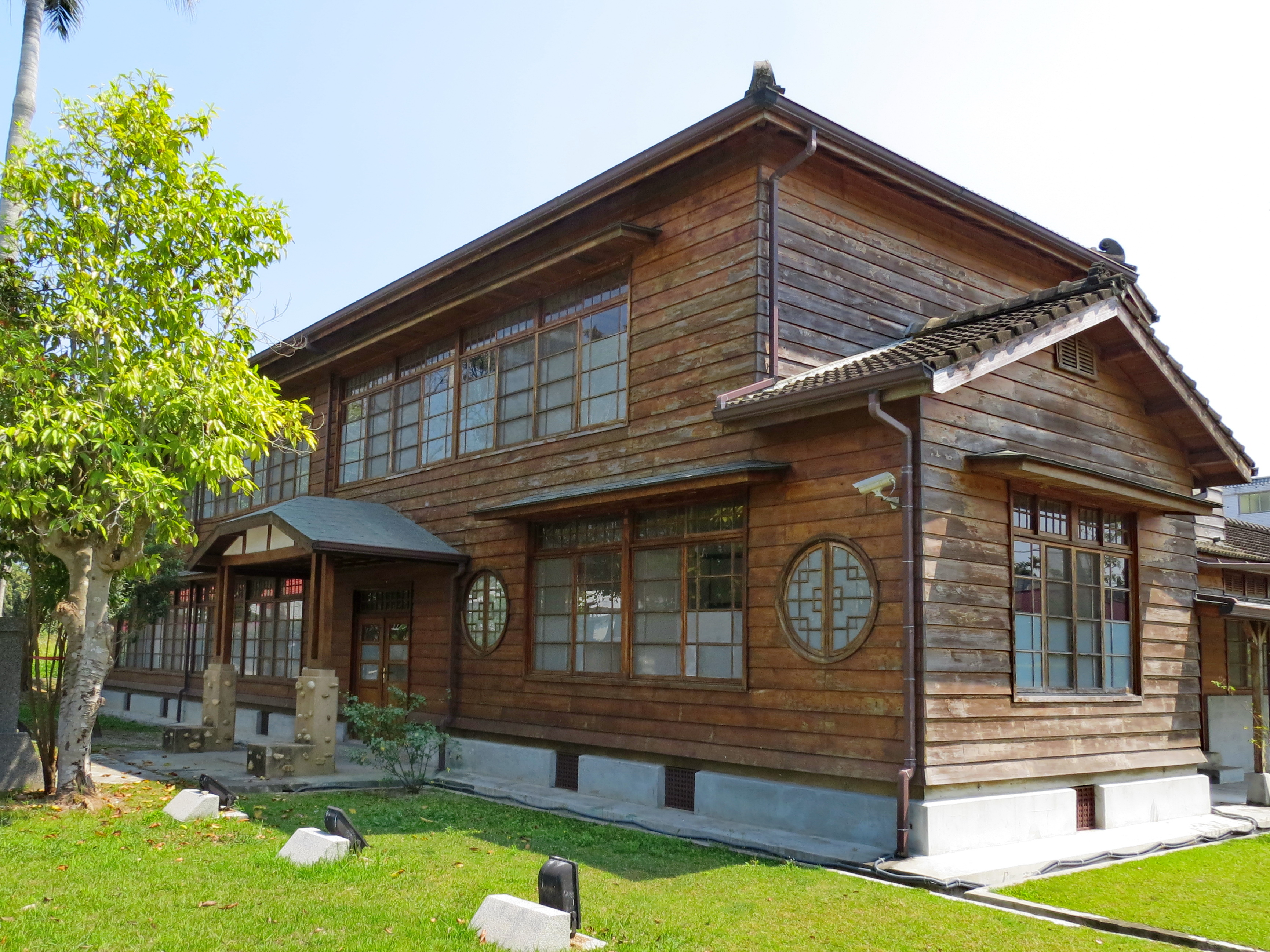 File national radio museum the japanese style hospitality for Asian style home plans