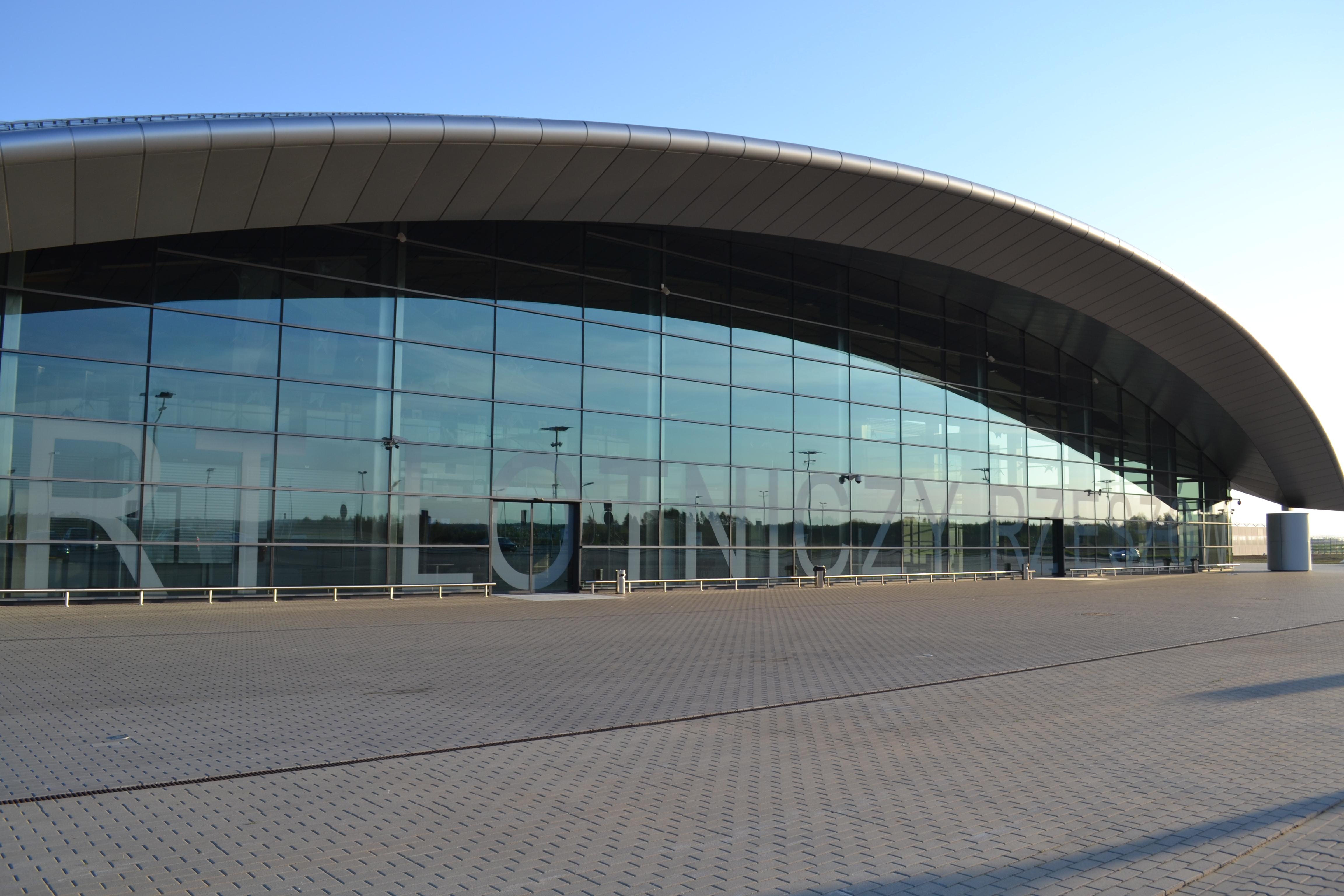 Aeropuerto de Rzeszów - Wikipedia, la enciclopedia libre